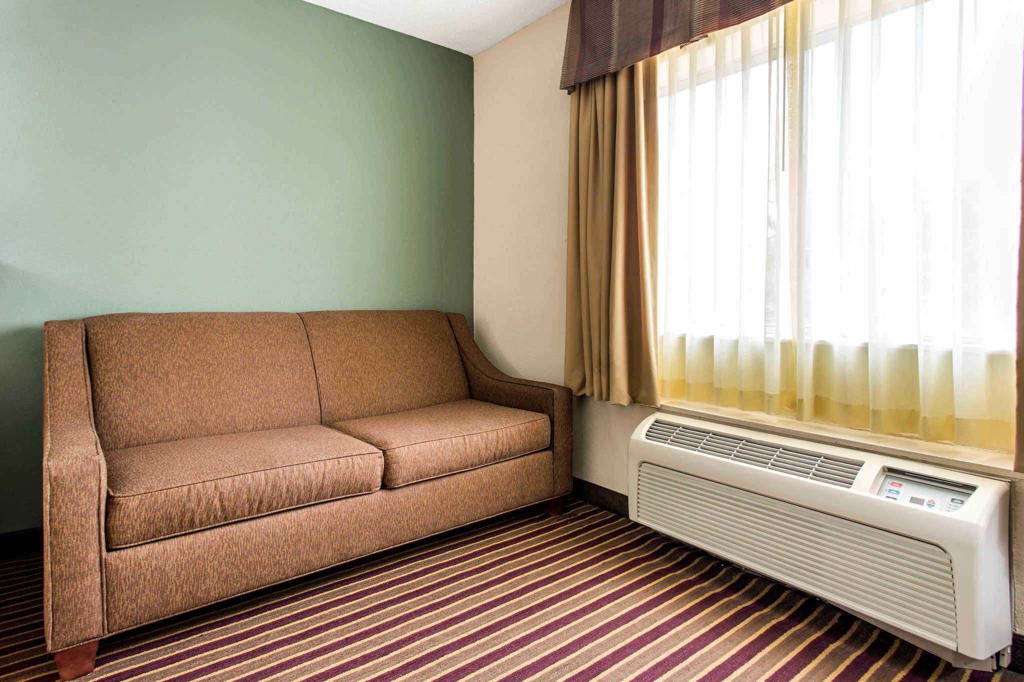 Comfort Inn & Suites Crabtree Valley image 21
