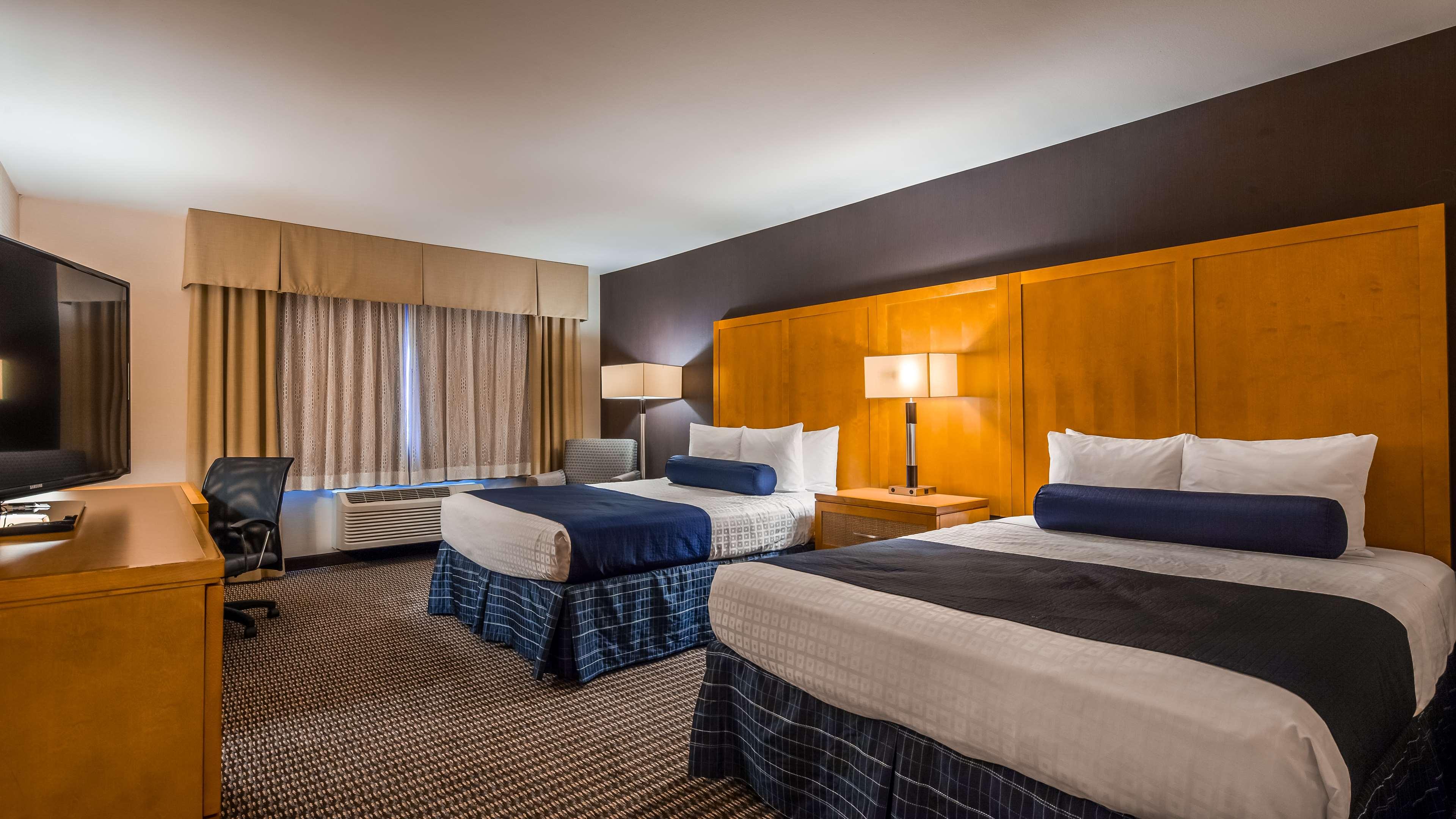 Best Western Plus Marina Gateway Hotel image 20