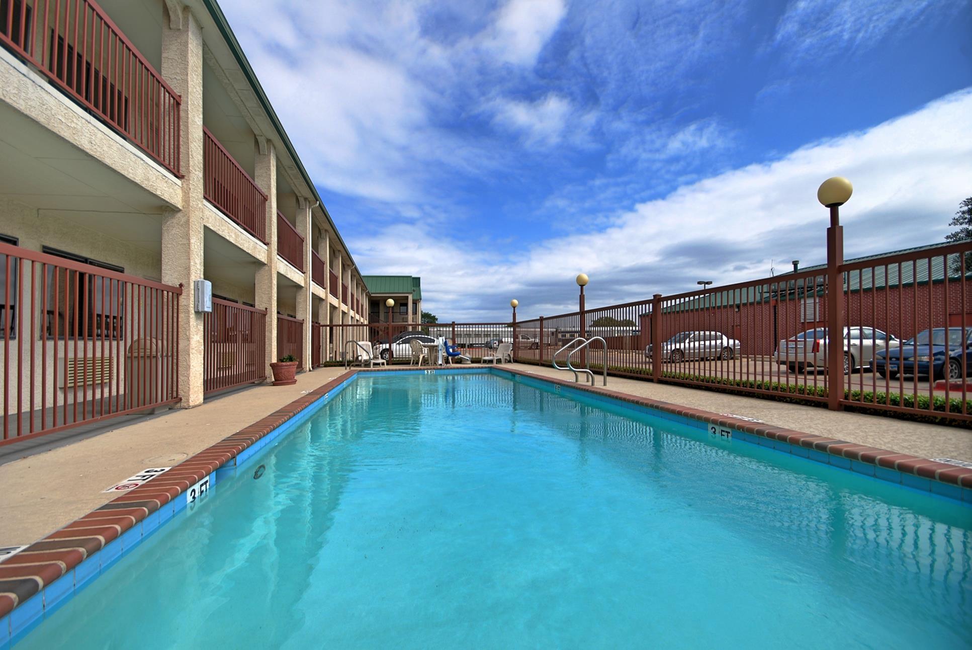 Best Western Cedar Inn image 10
