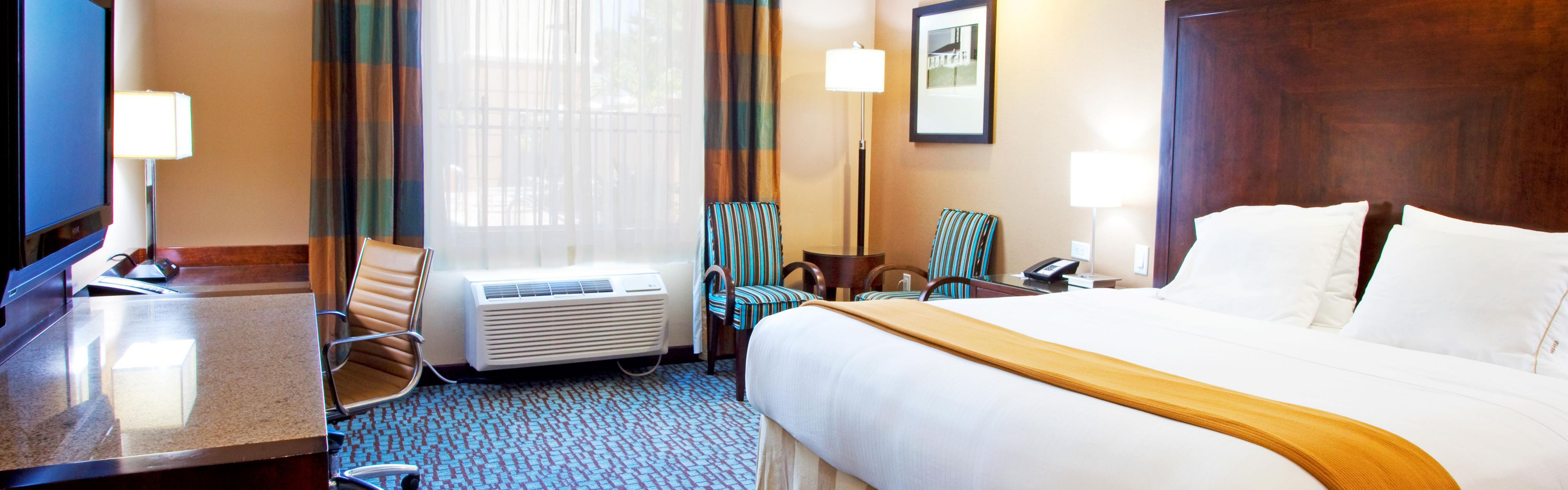 Holiday Inn Express Jacksonville Beach image 1