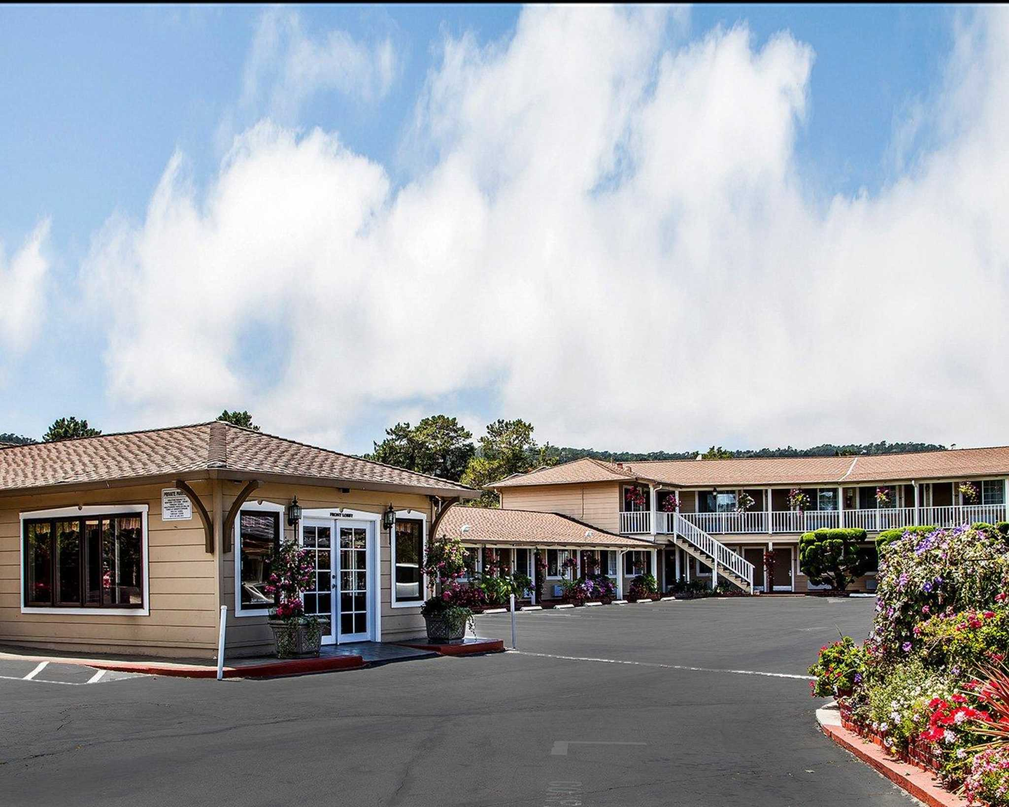 Comfort Inn Monterey by the Sea - Closed image 2