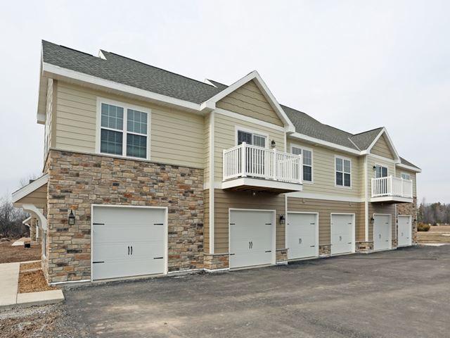 Niagara Ridge Apartments image 1