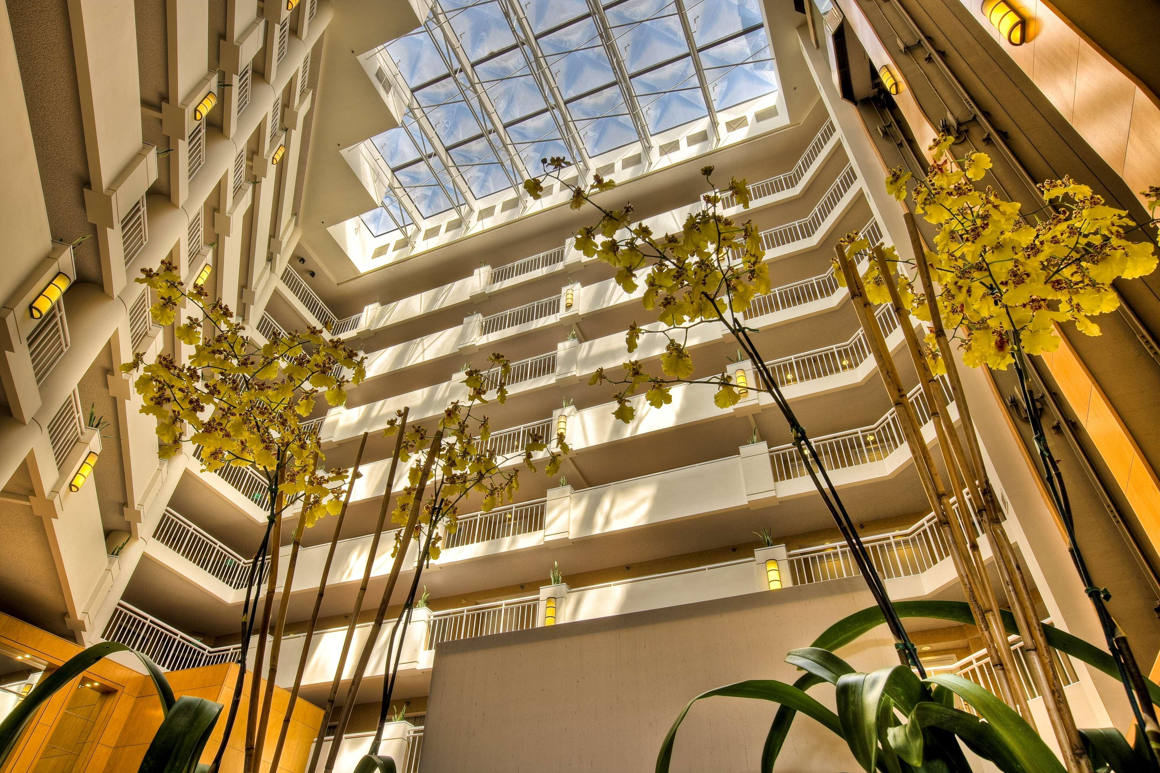 DoubleTree Suites by Hilton Hotel Santa Monica image 0