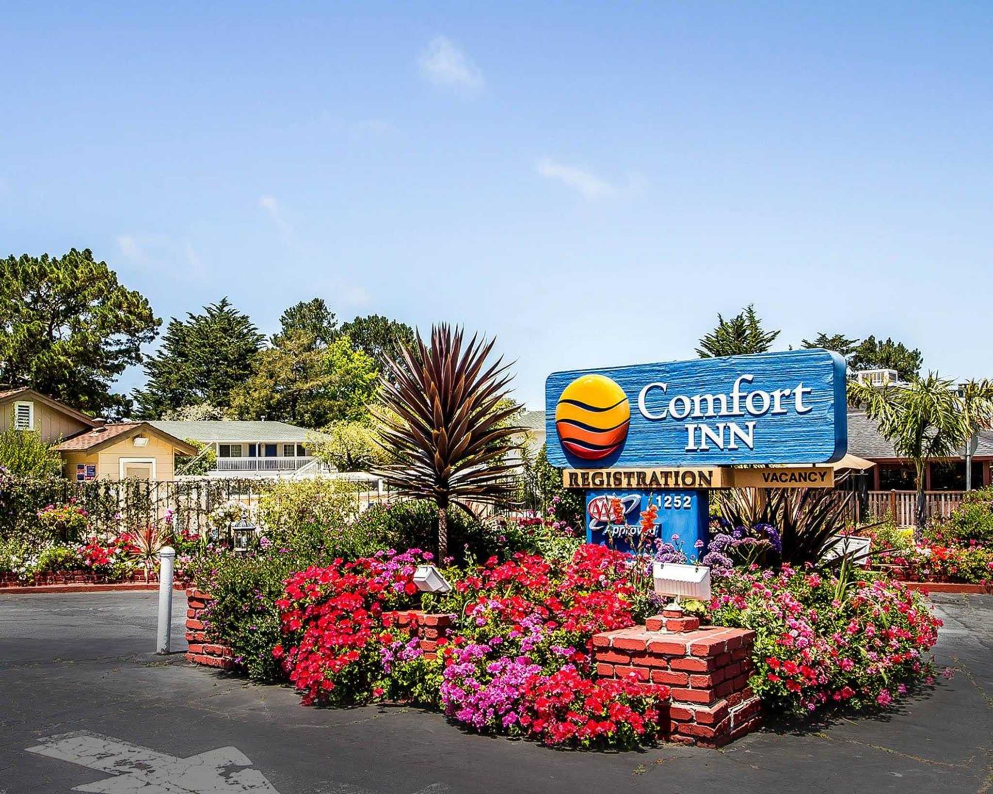 Comfort Inn Monterey by the Sea - Closed image 3