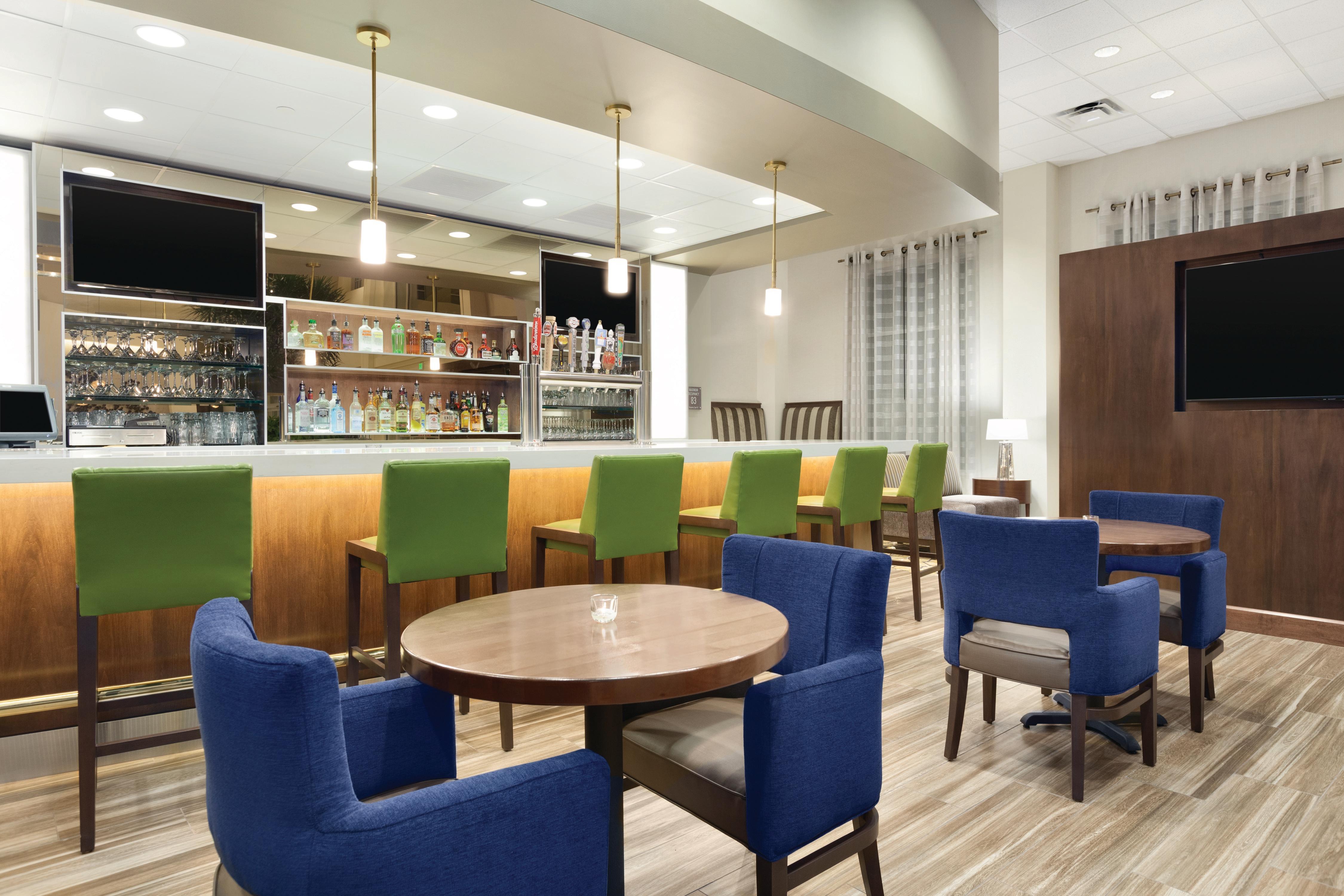 Embassy Suites by Hilton Portland Hillsboro, Oregon image 10