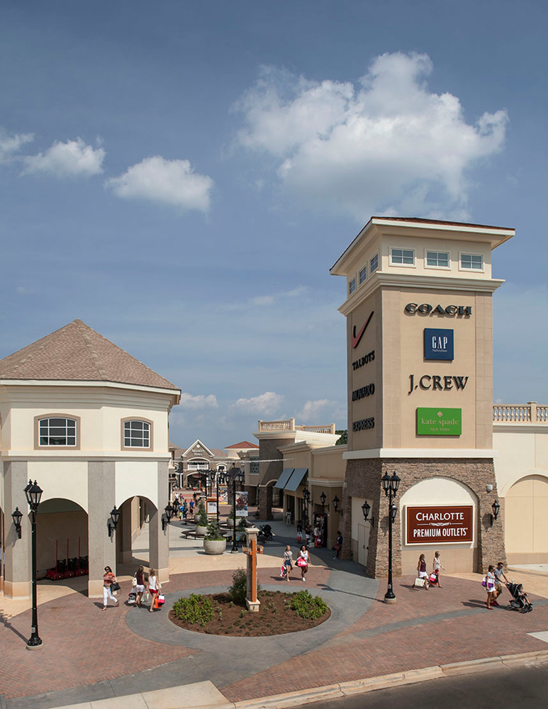 Charlotte Premium Outlets is North Carolina's newest upscale outlet center and features an impressive collection of fashion designers, luxury brands and name brand manufacturers/10(1).