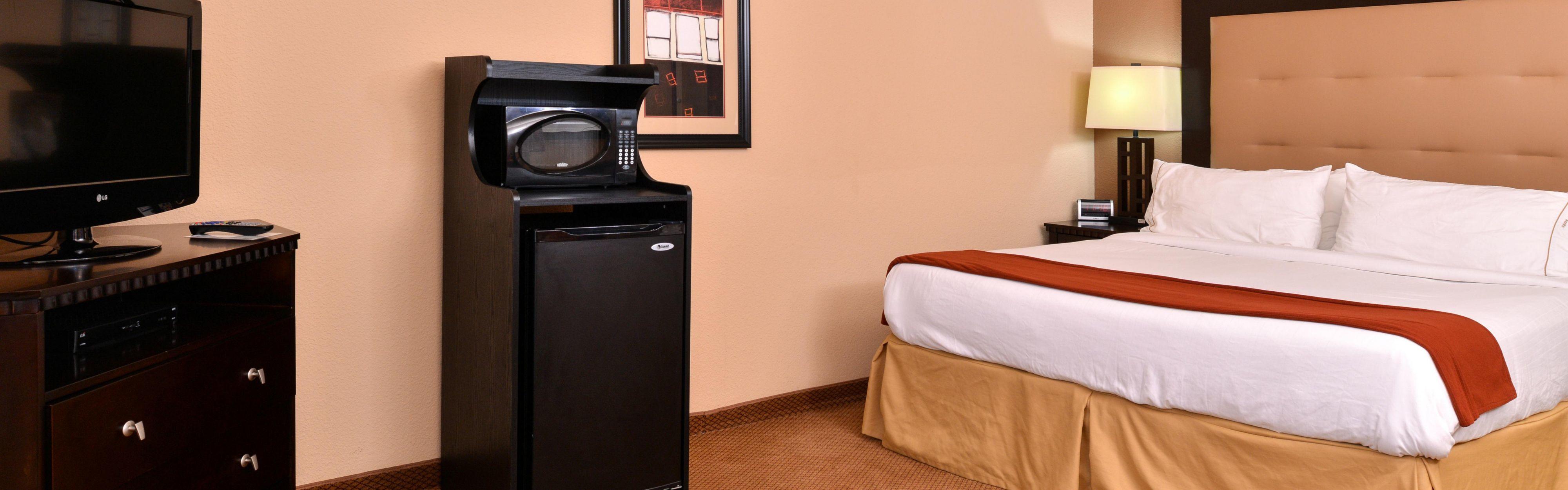 Holiday Inn Express & Suites Van Buren-Ft Smith Area image 1