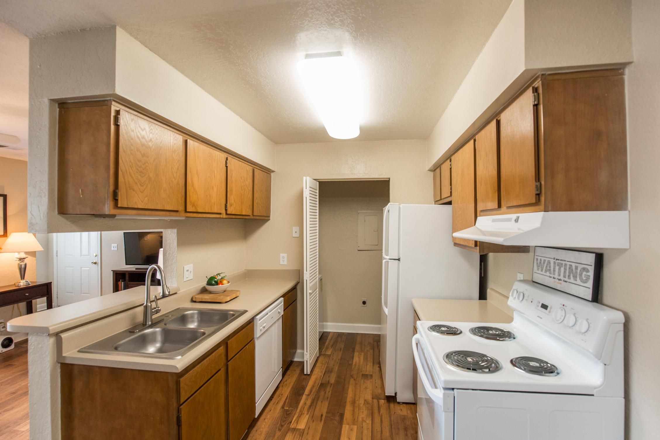 Timberlake Village Apartments image 18