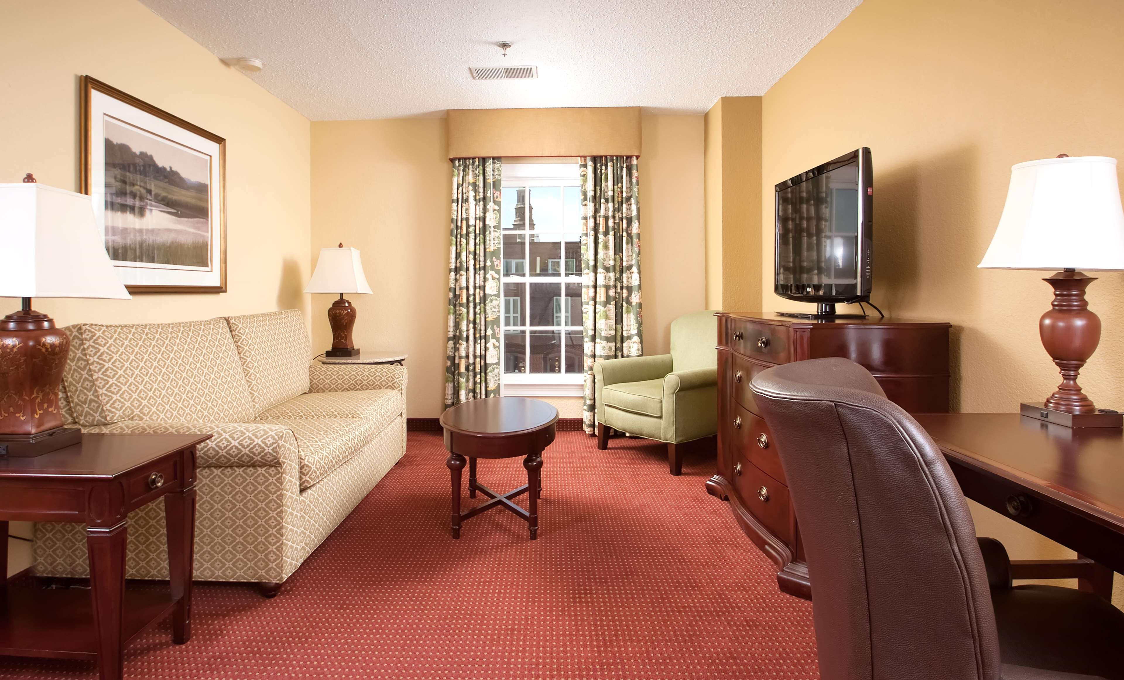 DoubleTree by Hilton Hotel & Suites Charleston - Historic District image 36