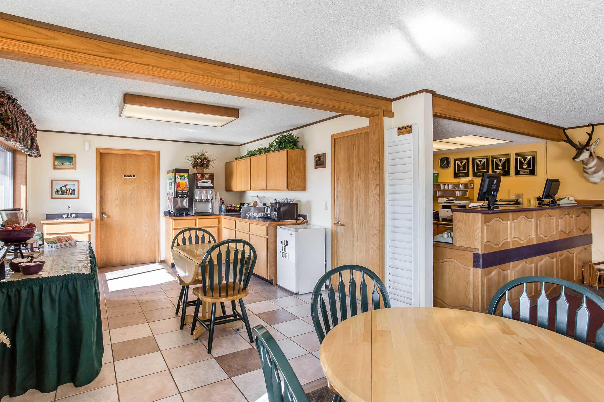 Rodeway Inn Pronghorn Lodge image 6