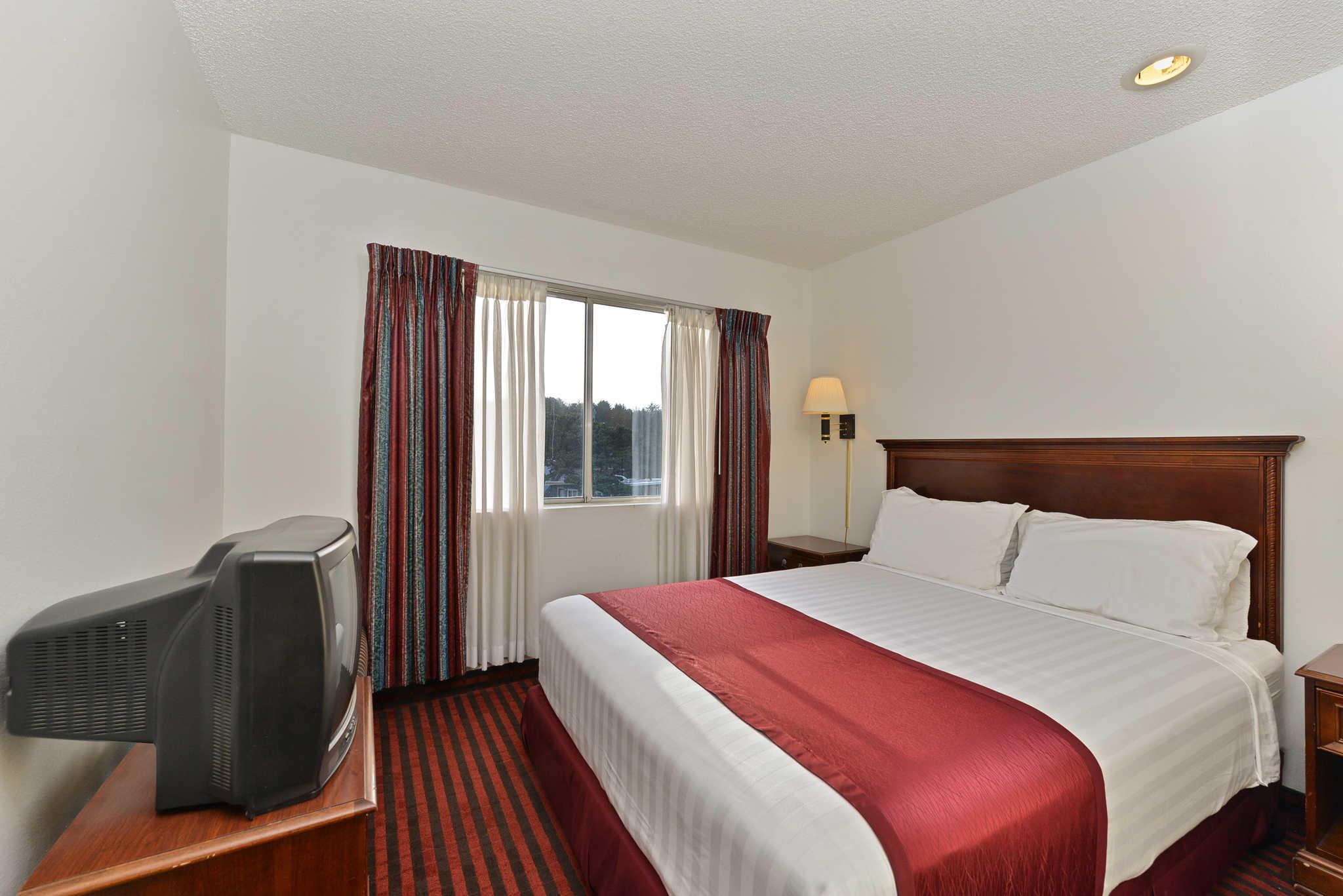 Rodeway Inn & Suites - Closed image 8