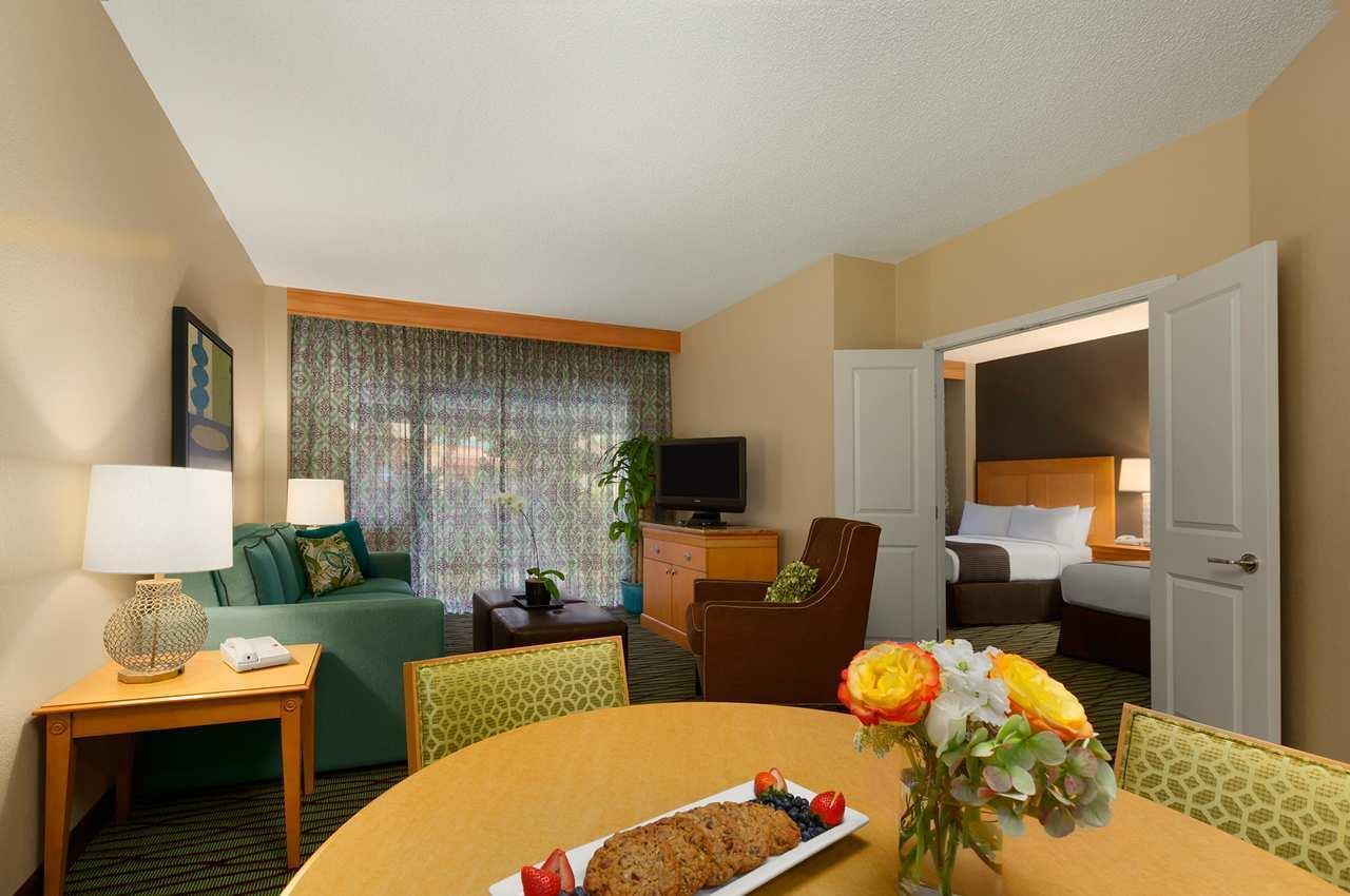DoubleTree Suites by Hilton Orlando - Disney Springs Area image 11