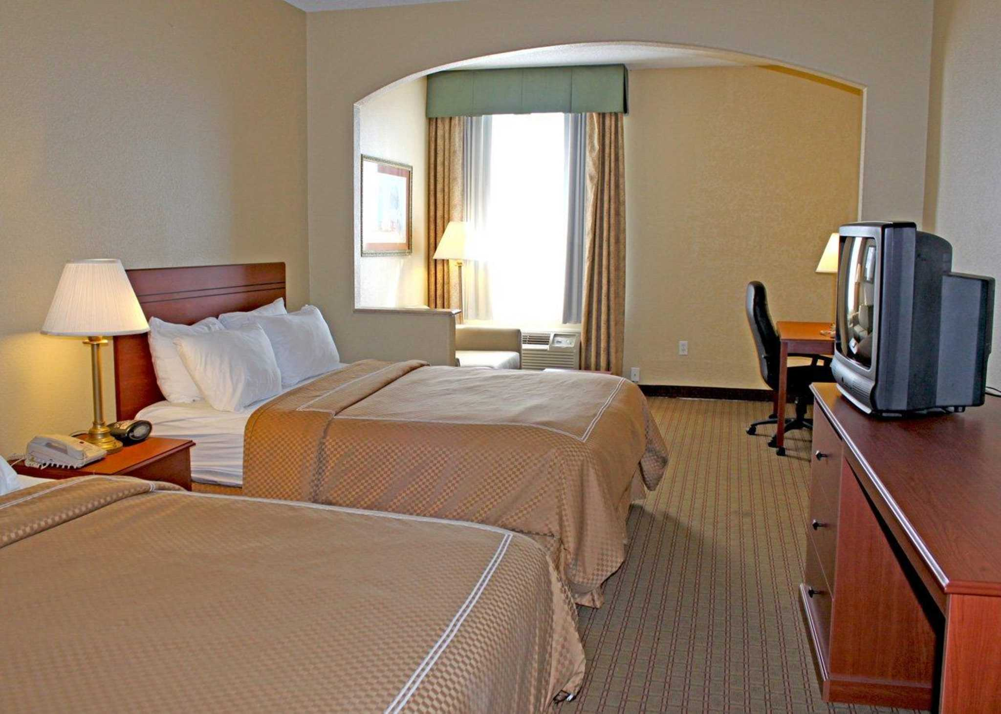 Quality Suites South image 3