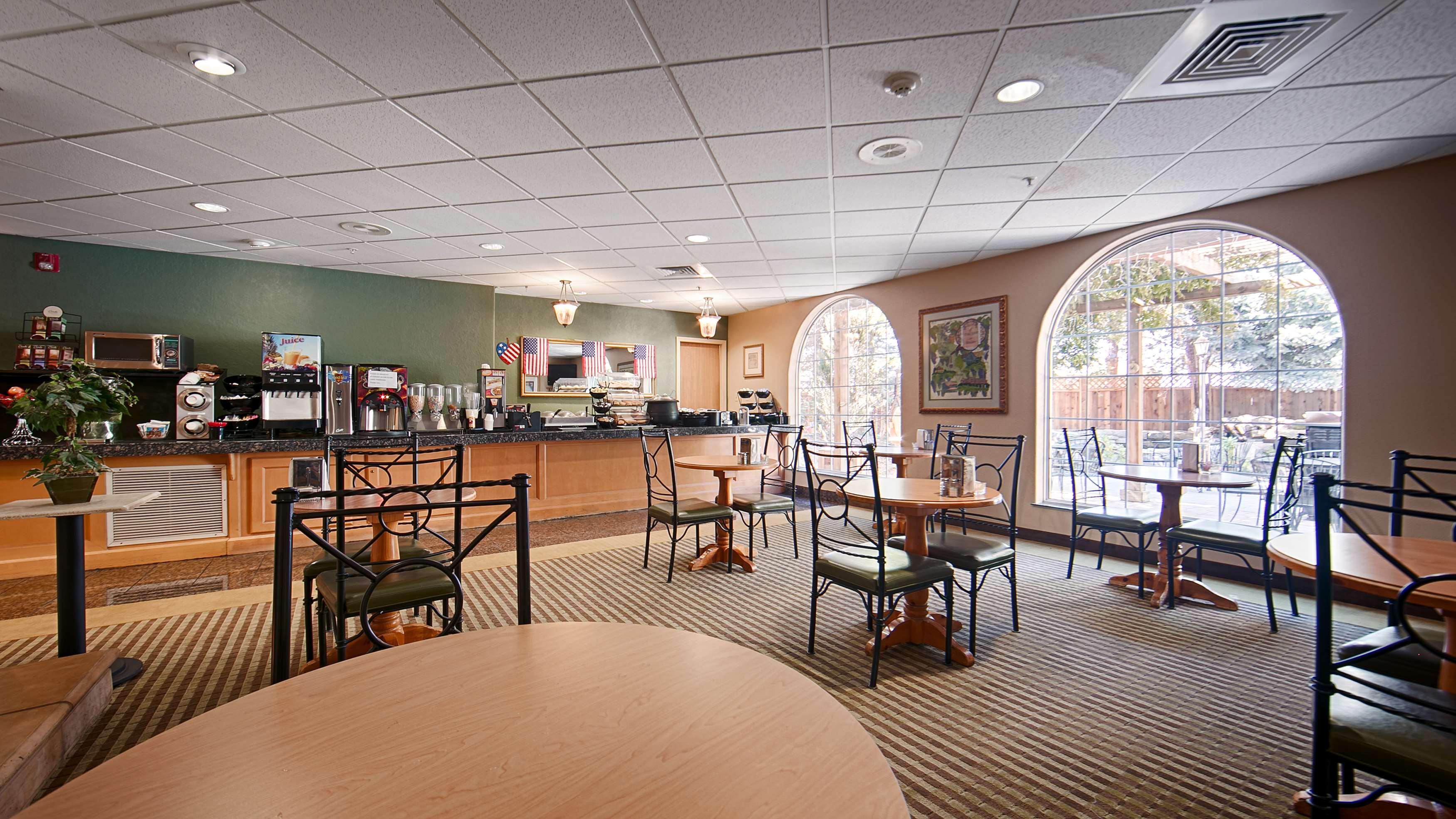 Best Western Plus Caldwell Inn & Suites image 38