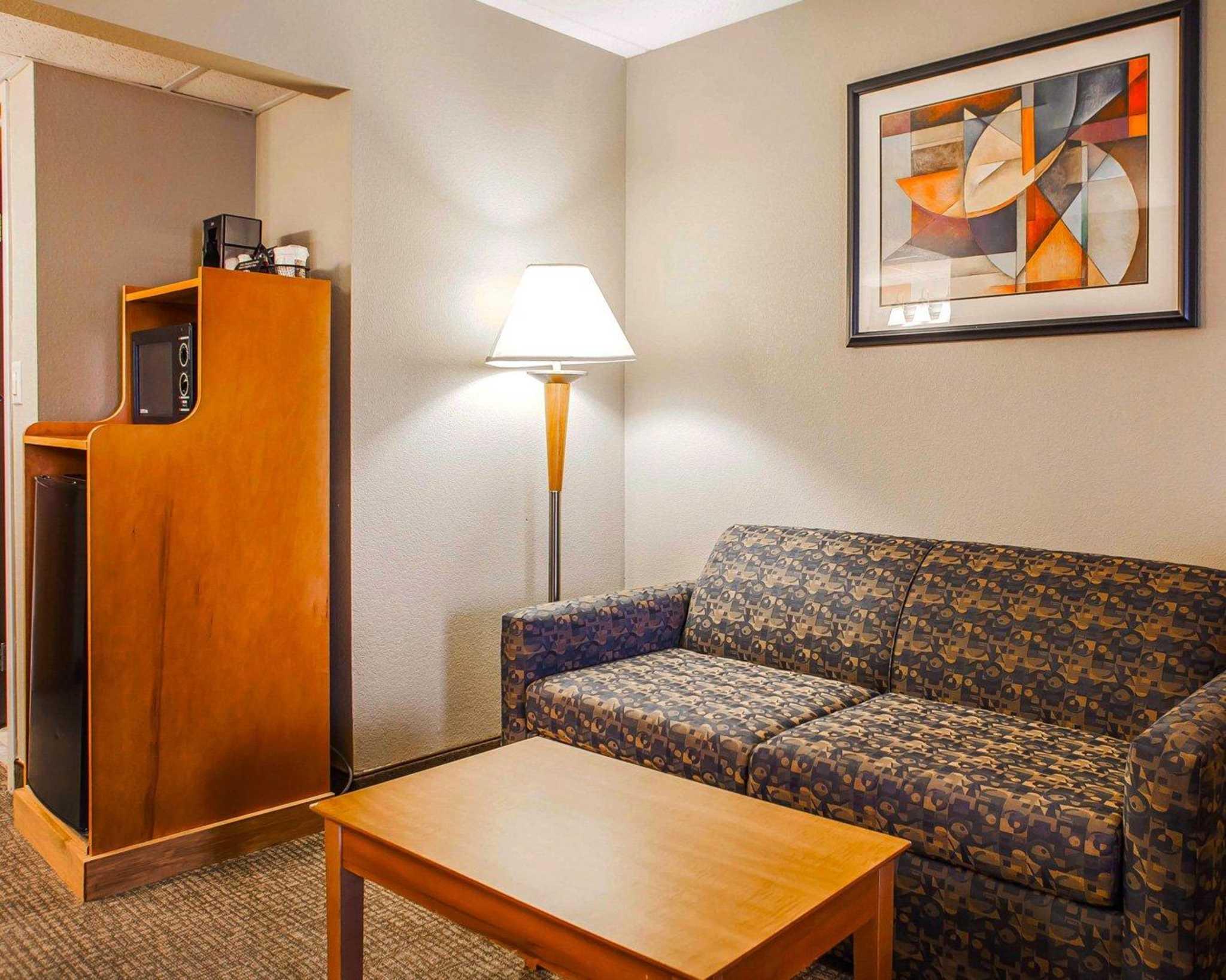 Comfort Suites image 21
