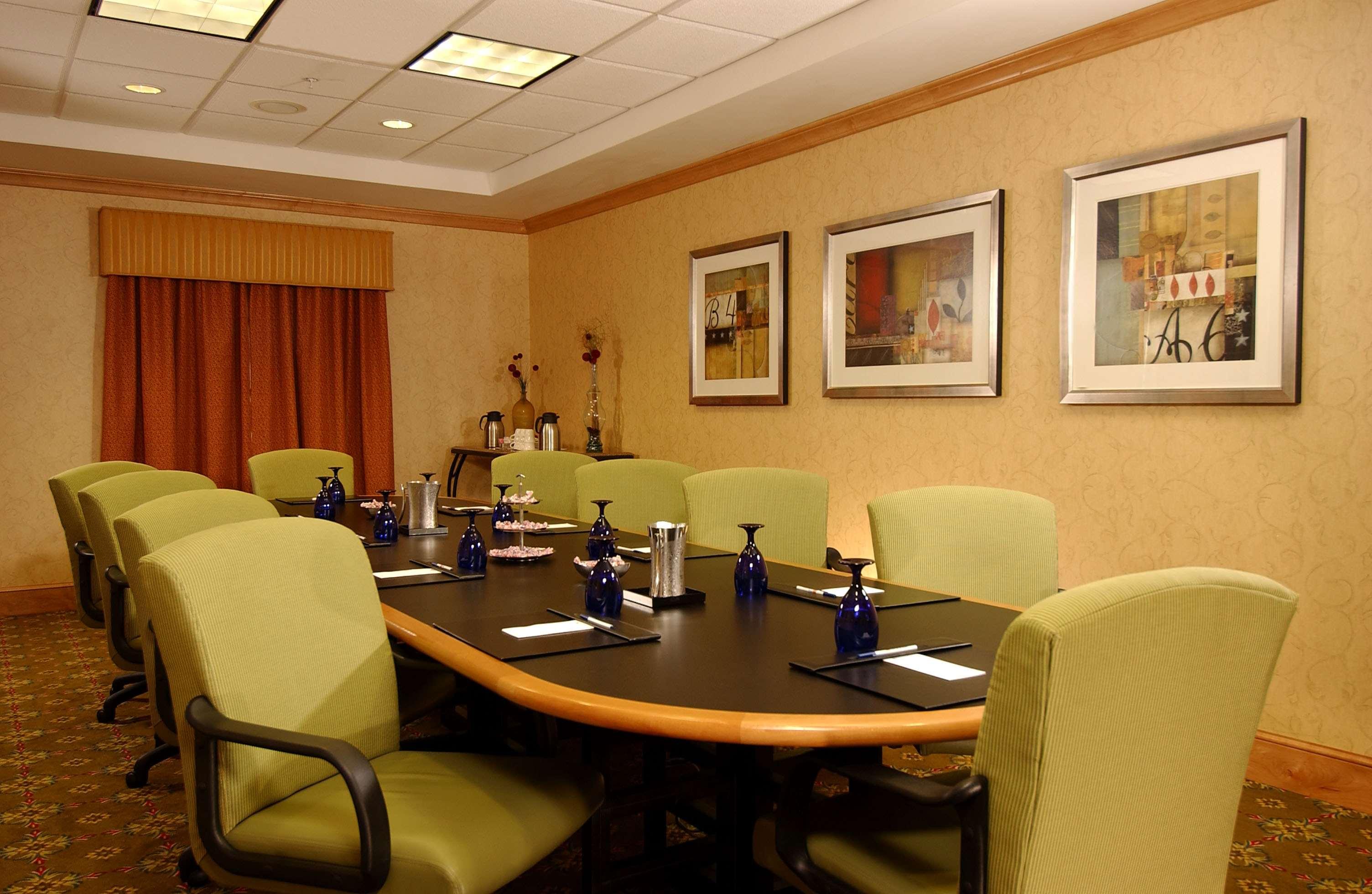 Hilton Garden Inn Atlanta Airport/Millenium Center image 19
