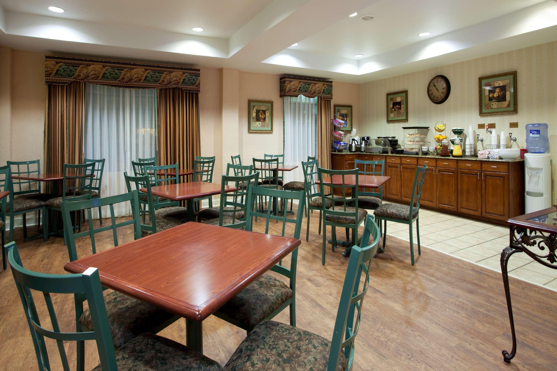 Best Western Plus Executive Hotel & Suites image 7