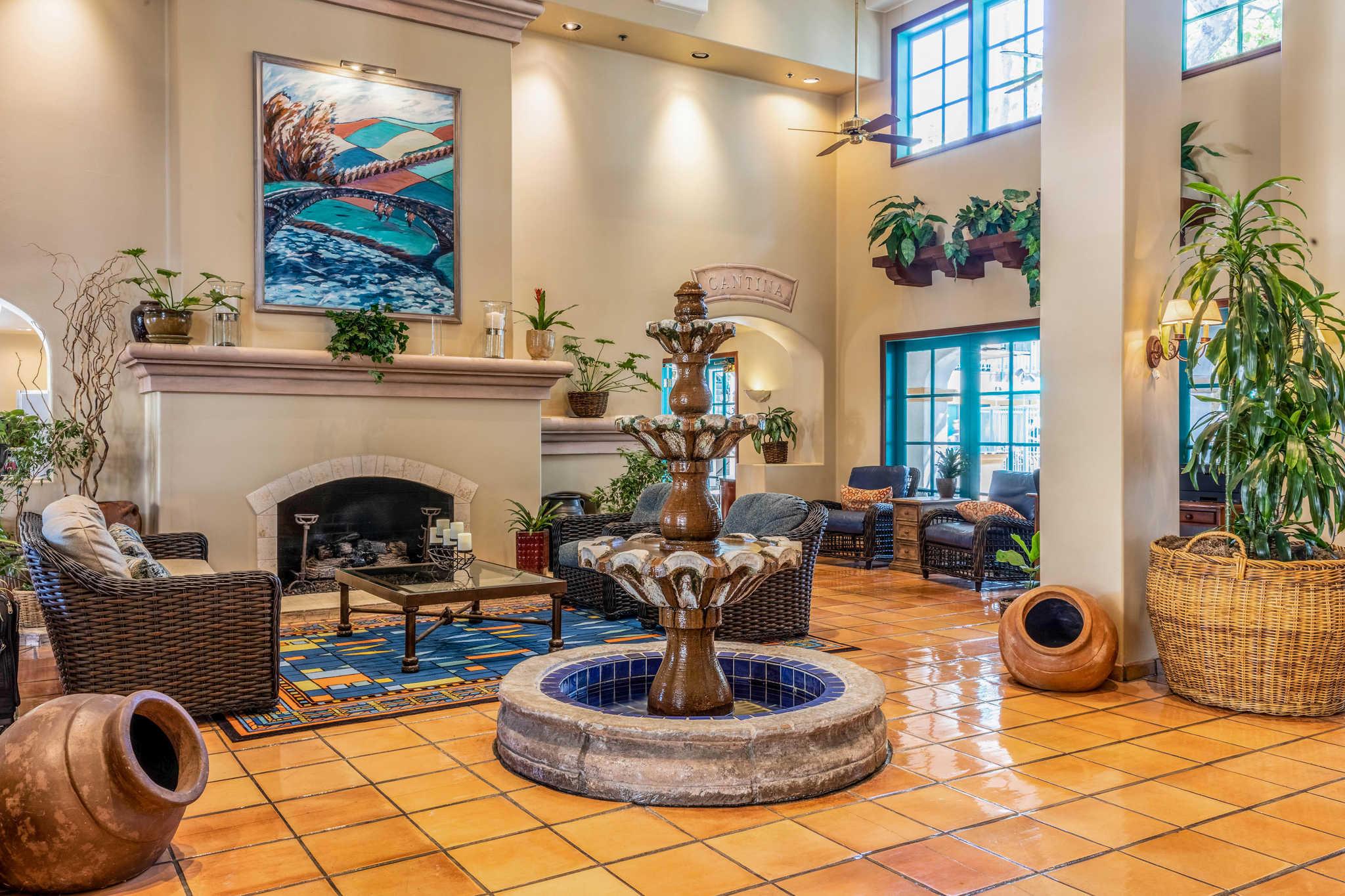 Quality Suites Downtown San Luis Obispo image 4