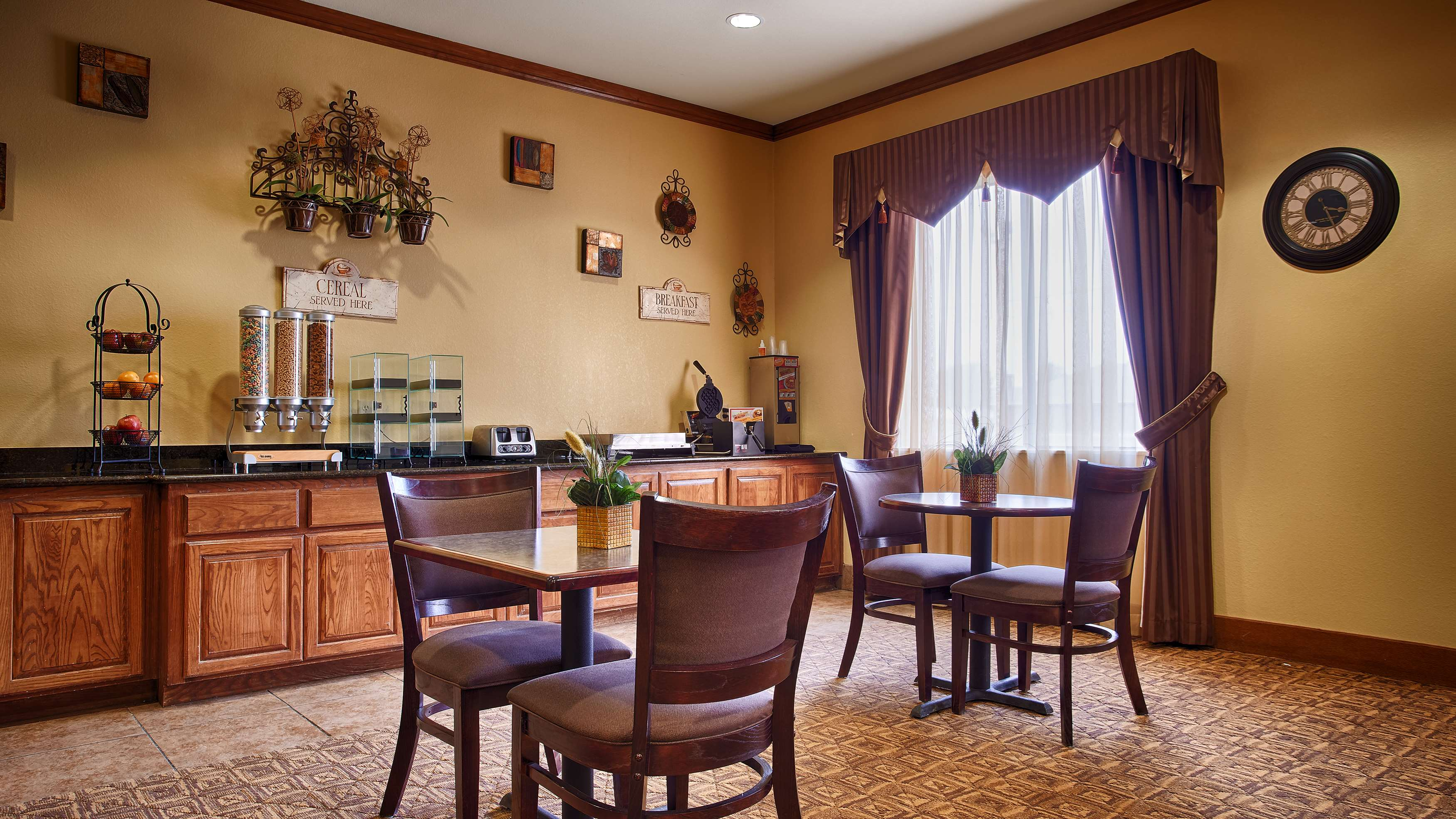Best Western Littlefield Inn & Suites image 14