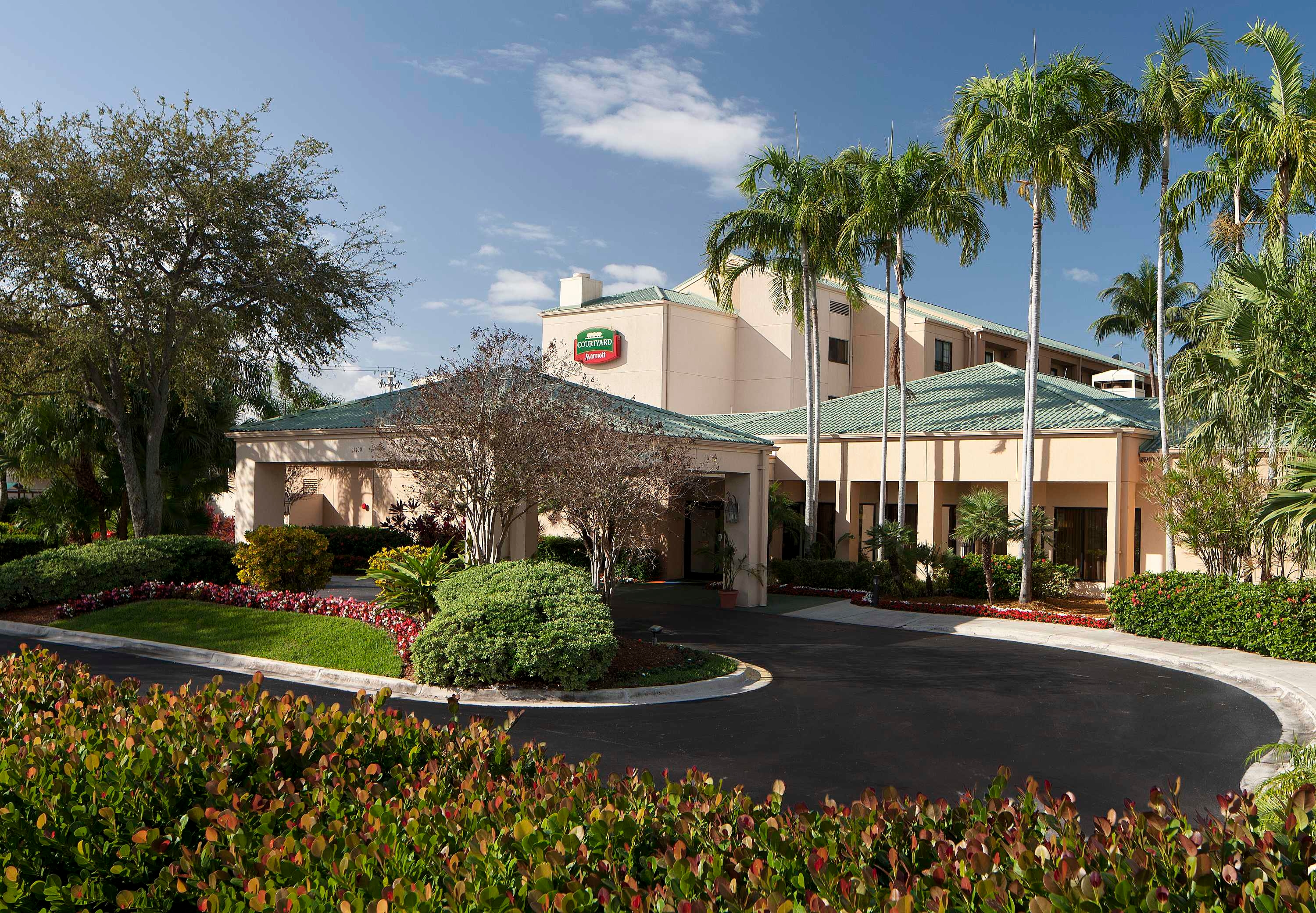 Courtyard by Marriott Miami Lakes image 18