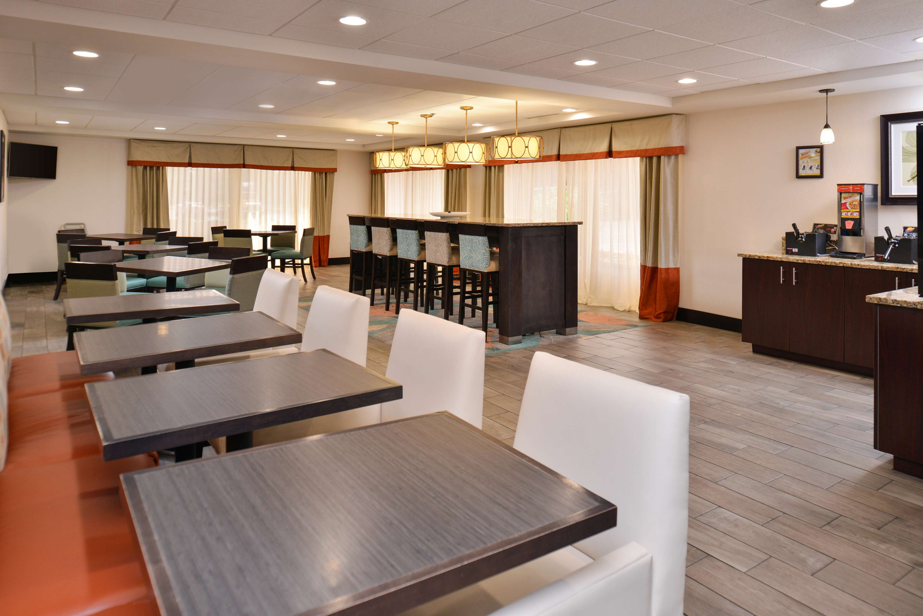 Best Western Plus Chicagoland - Countryside image 21