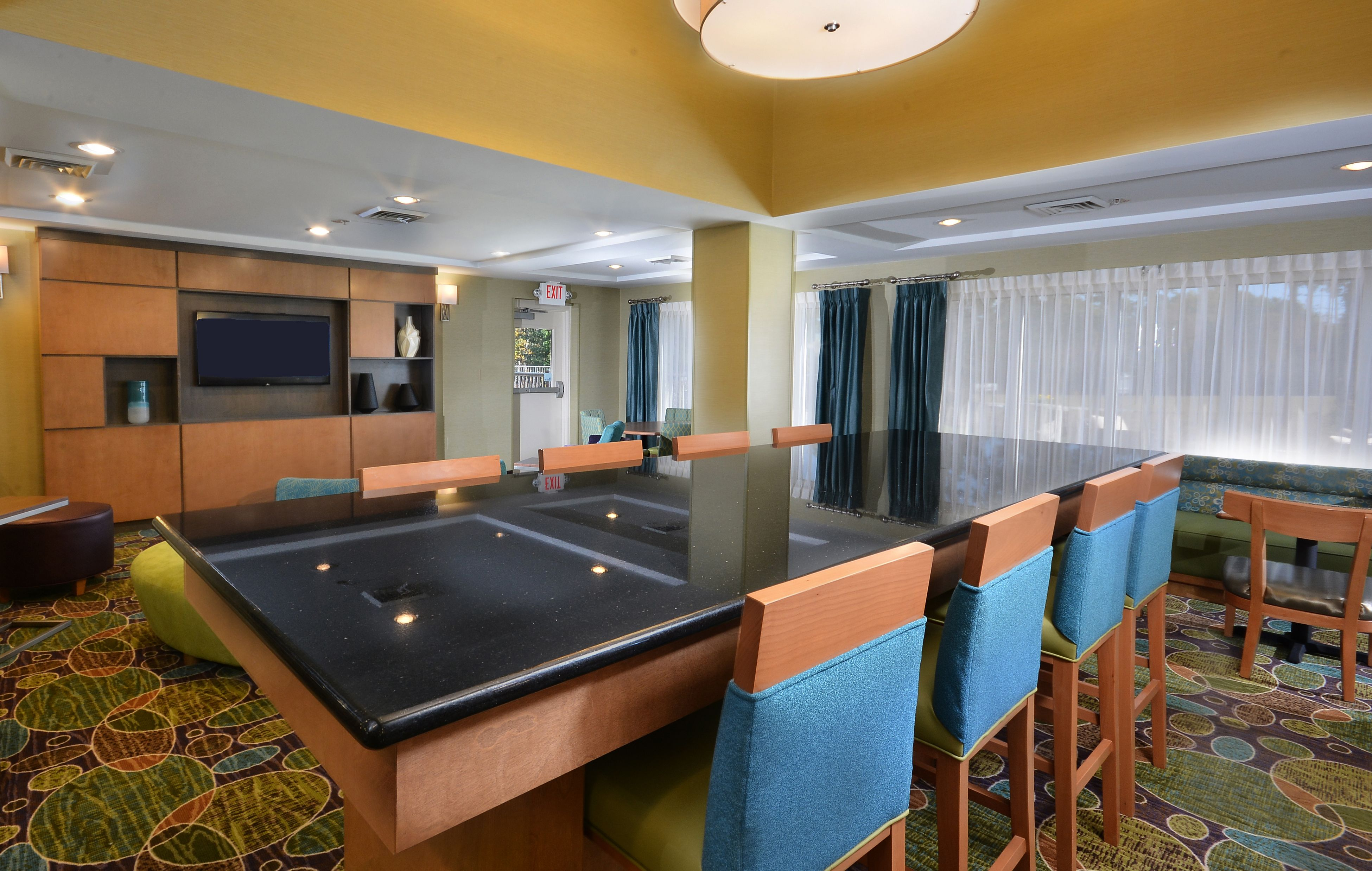 Holiday Inn Express & Suites High Point South image 6