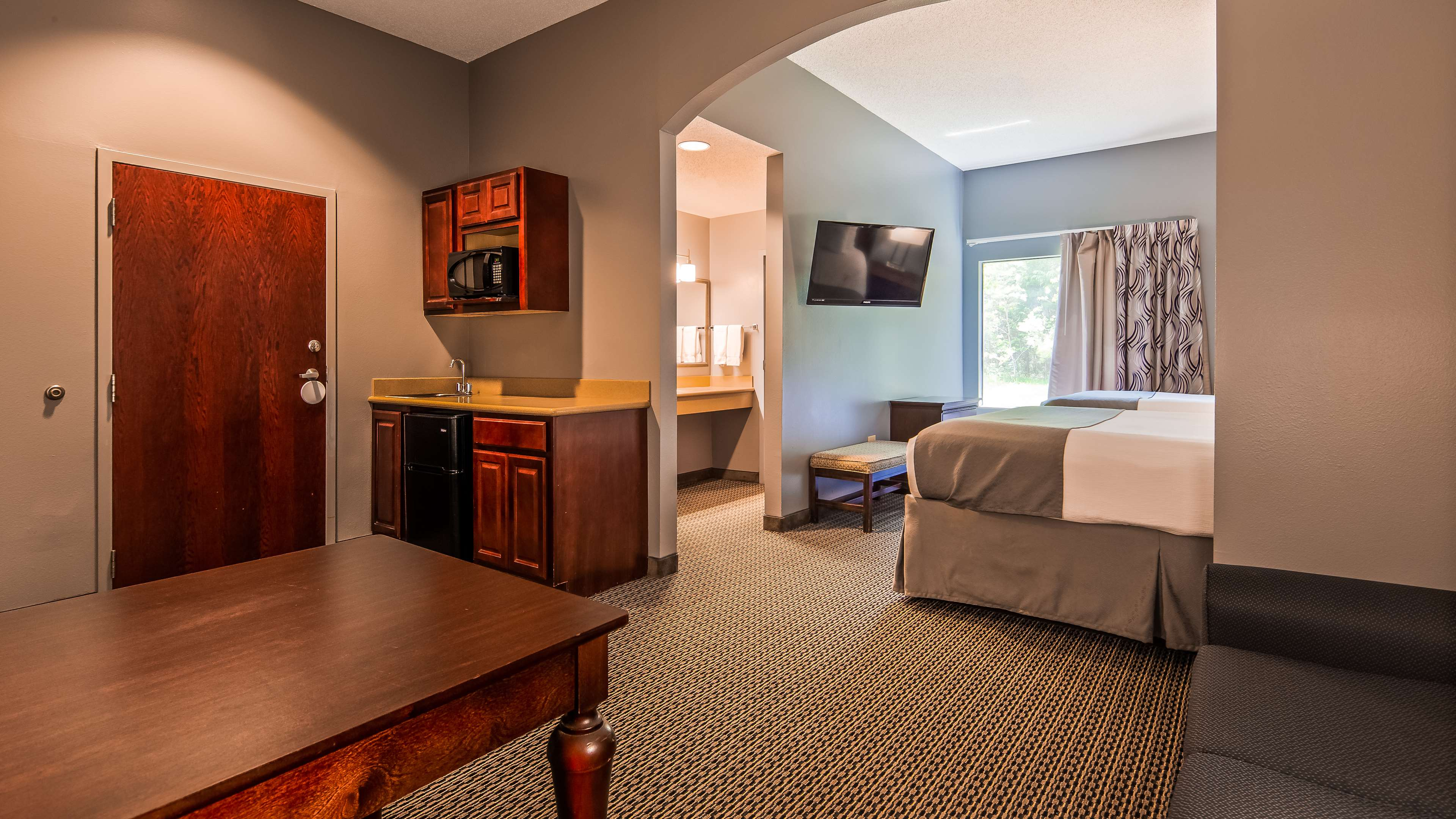 Best Western Plus Two Rivers Hotel & Suites image 6