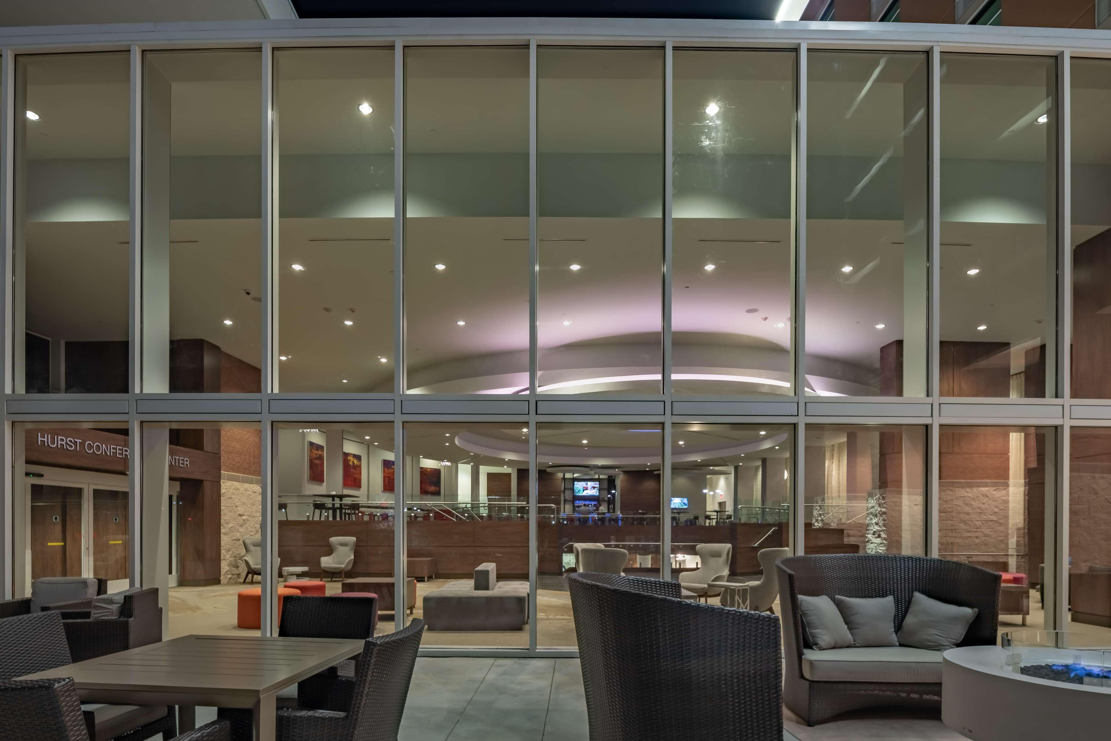 Hilton Garden Inn Dallas at Hurst Conference Center image 1