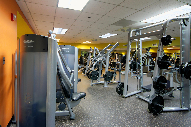 Crunch Fitness - Metro Center image 8