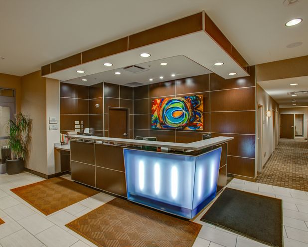 Cambria hotel suites pittsburgh downtown in pittsburgh for Hotels close to ppg paints arena