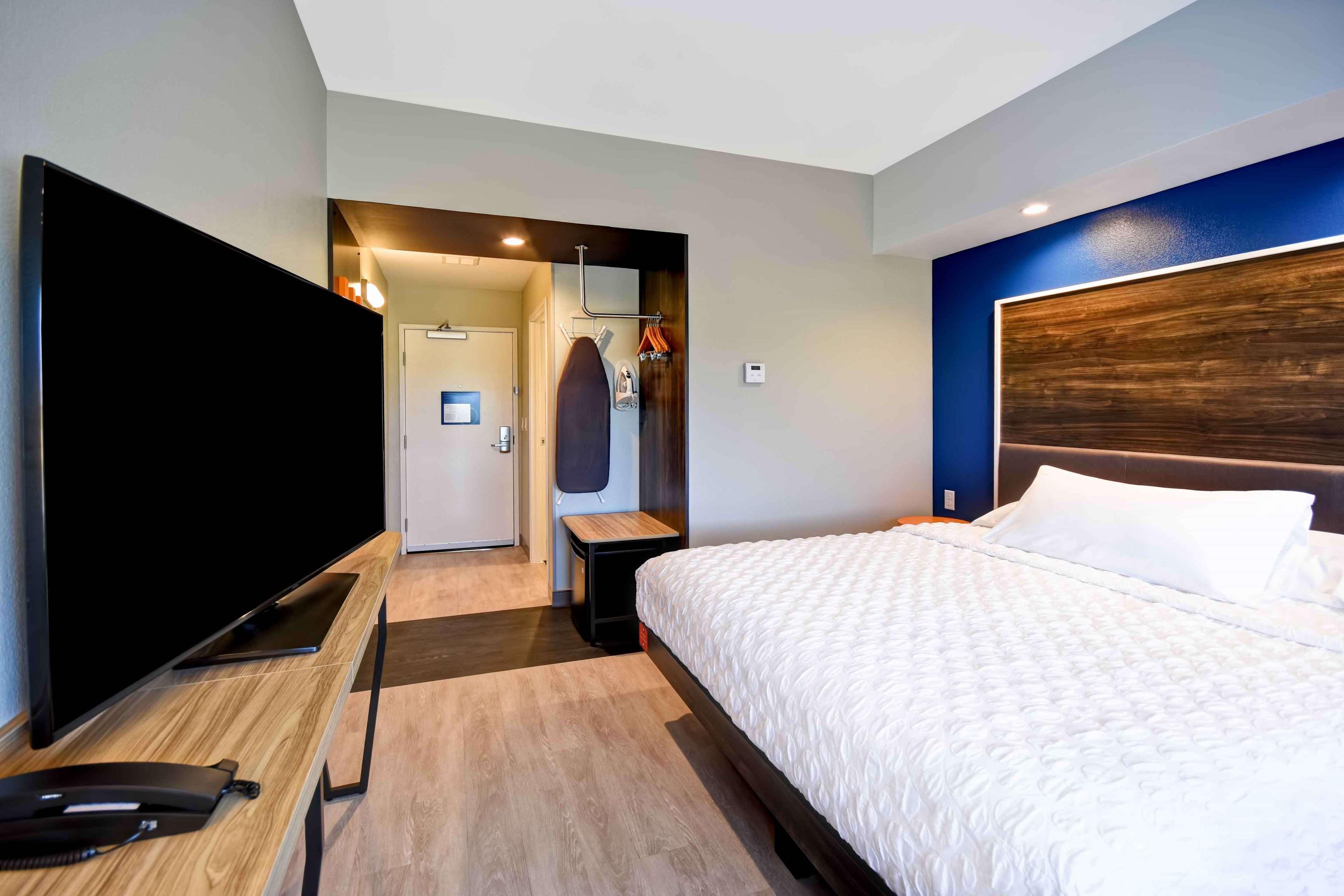 Tru by Hilton North Platte image 33