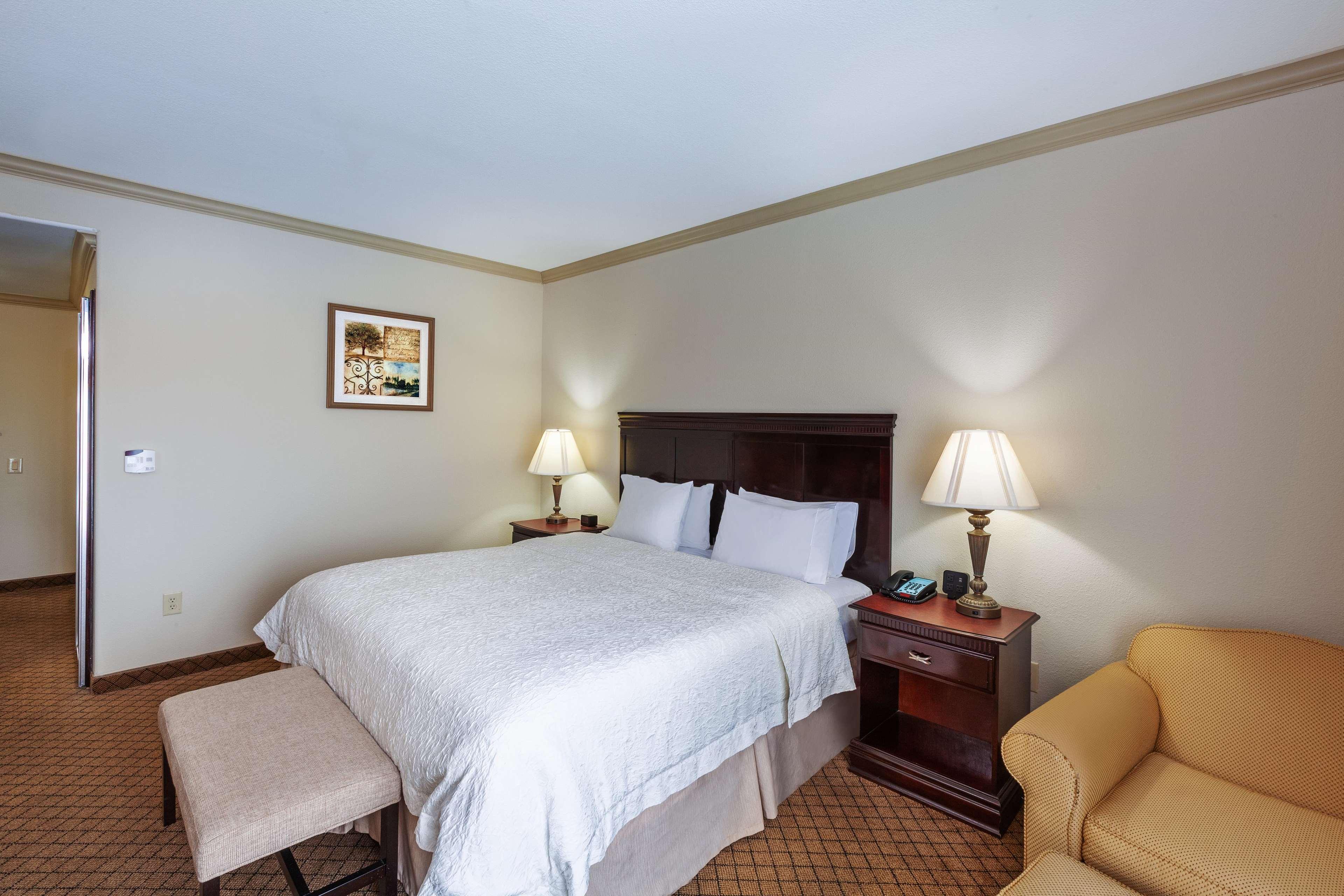 Hampton Inn & Suites Galveston image 18