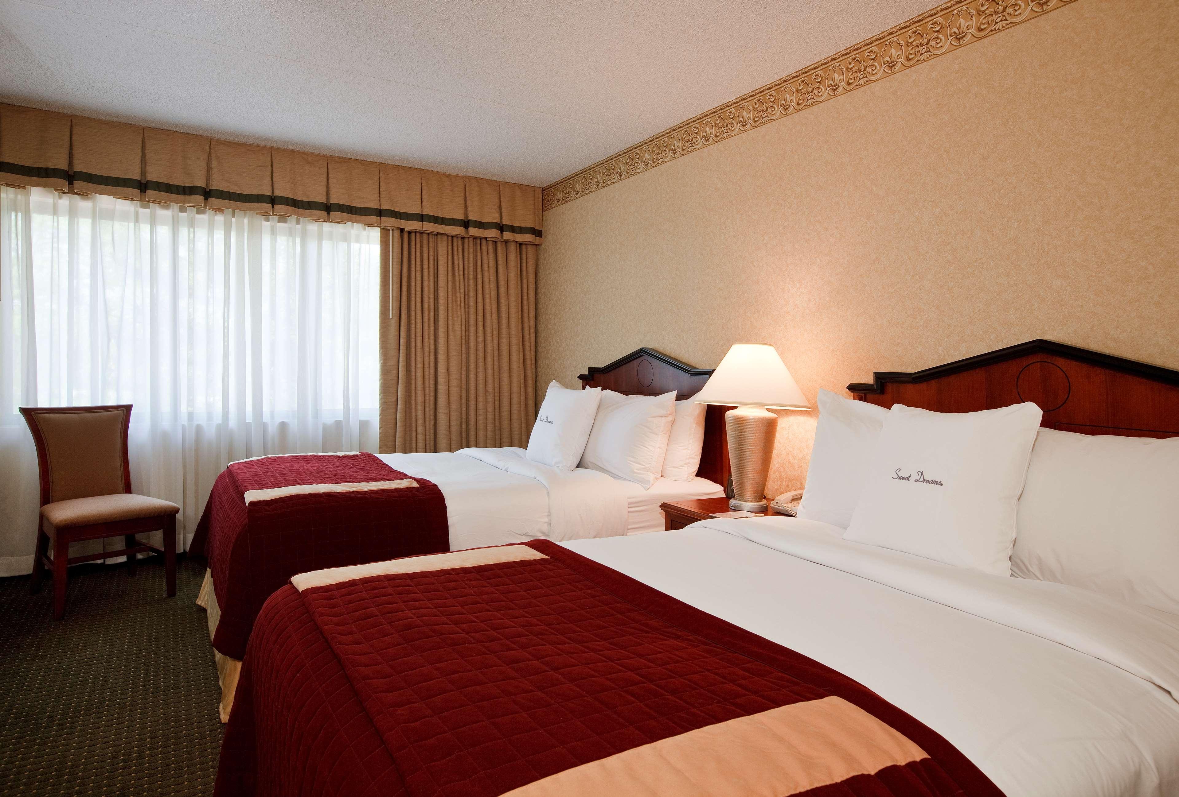 DoubleTree Suites by Hilton Hotel Cincinnati - Blue Ash image 10