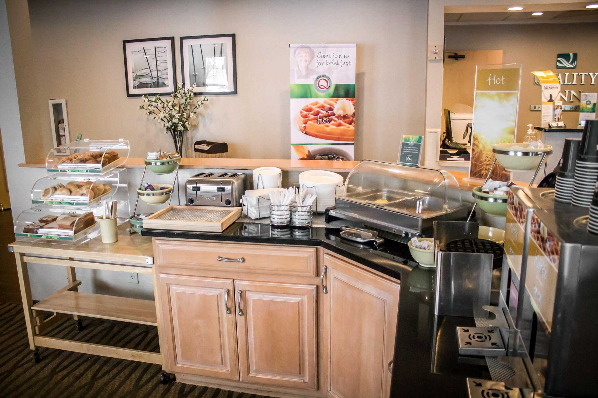 Quality Inn Central image 5