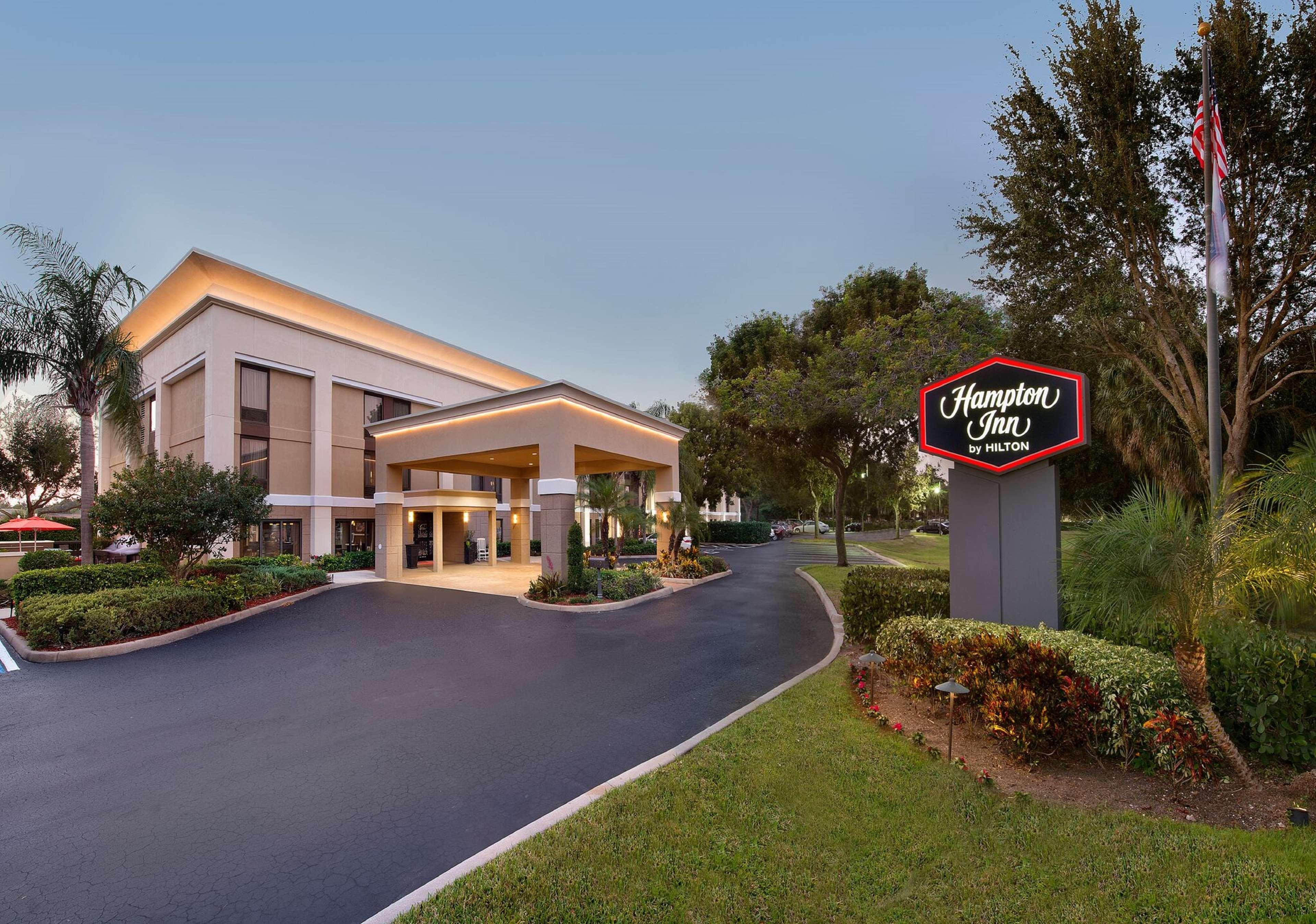 Hampton Inn Naples-I-75 image 3