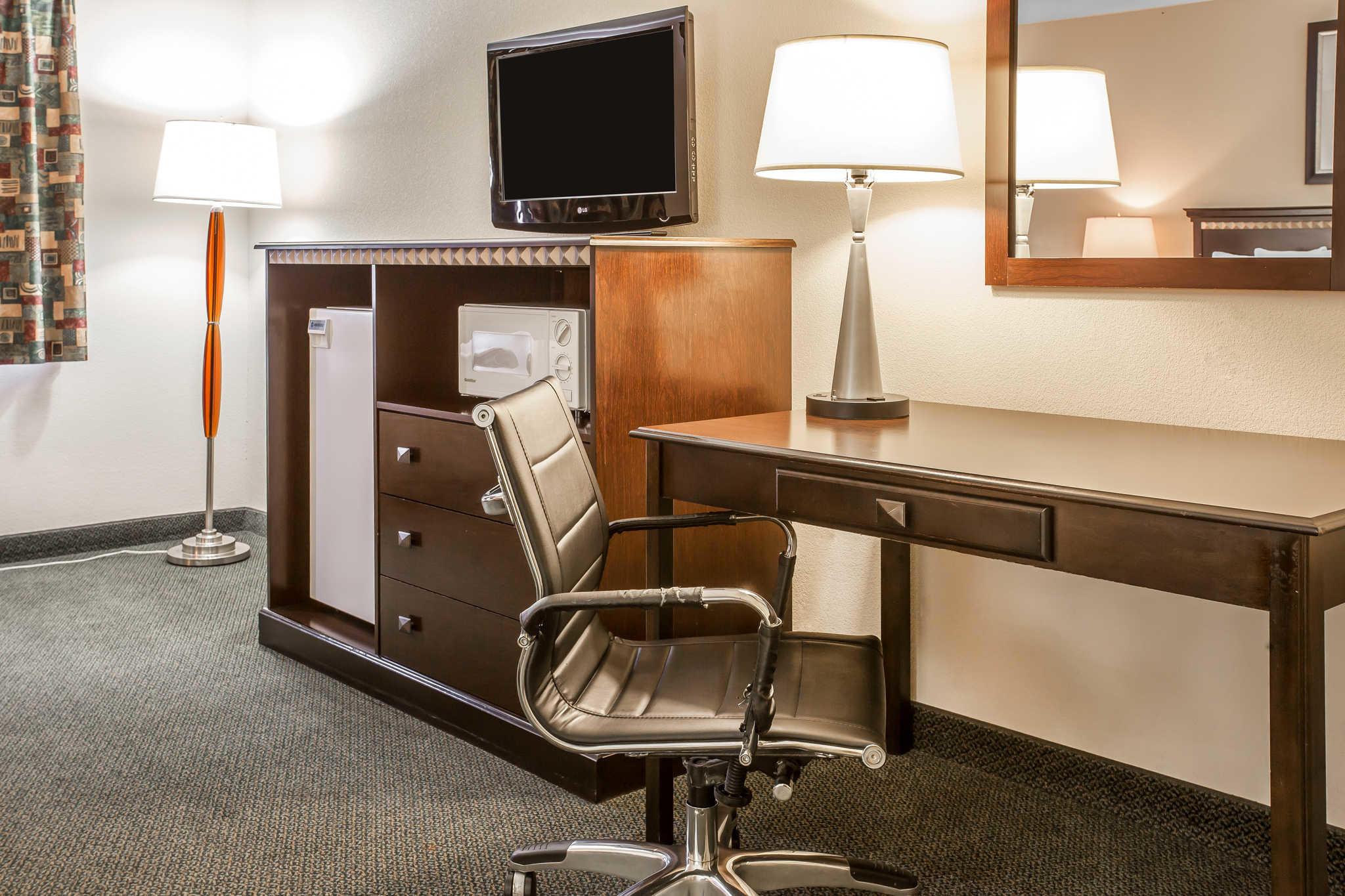Comfort Inn Downtown image 10