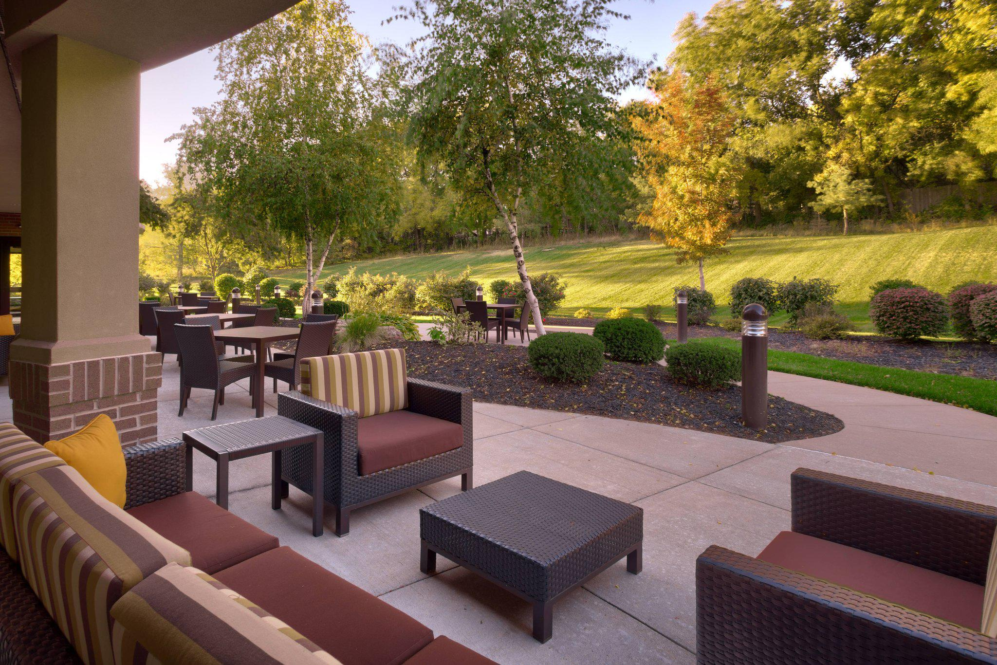 Courtyard by Marriott Kansas City Shawnee