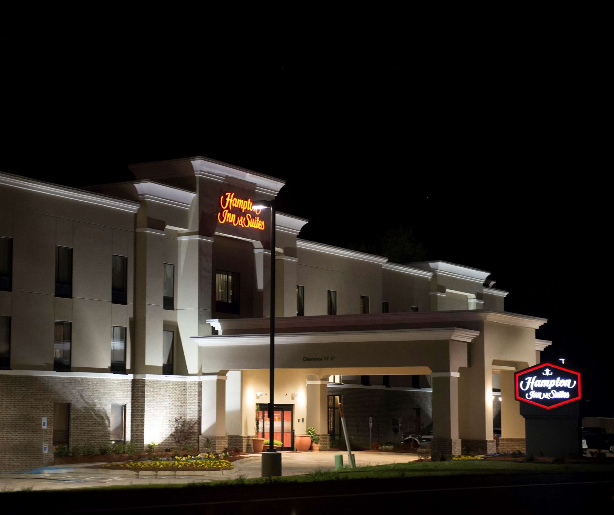 Hampton Inn & Suites Hope image 28