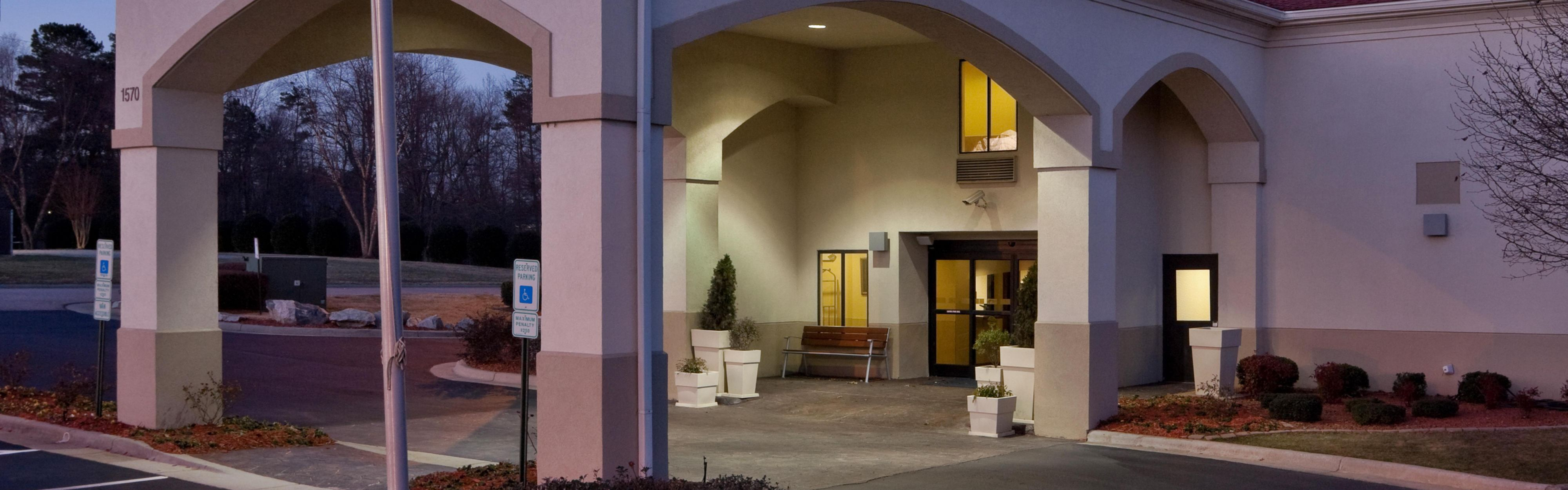 Holiday Inn Express Kernersville image 0