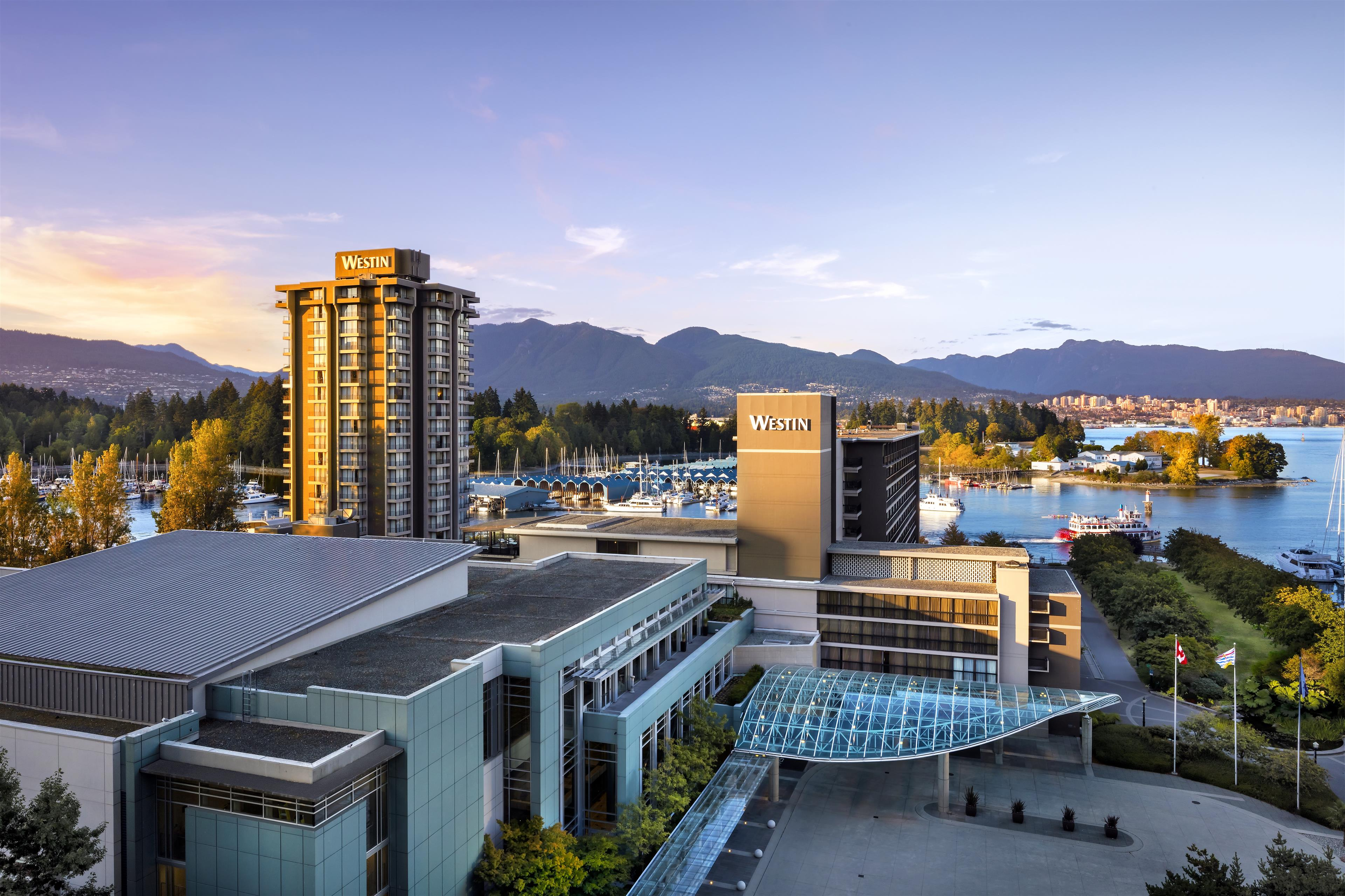 The Westin Bayshore, Vancouver in Vancouver: Westin Bayshore Hotel & Conference Center Exterior