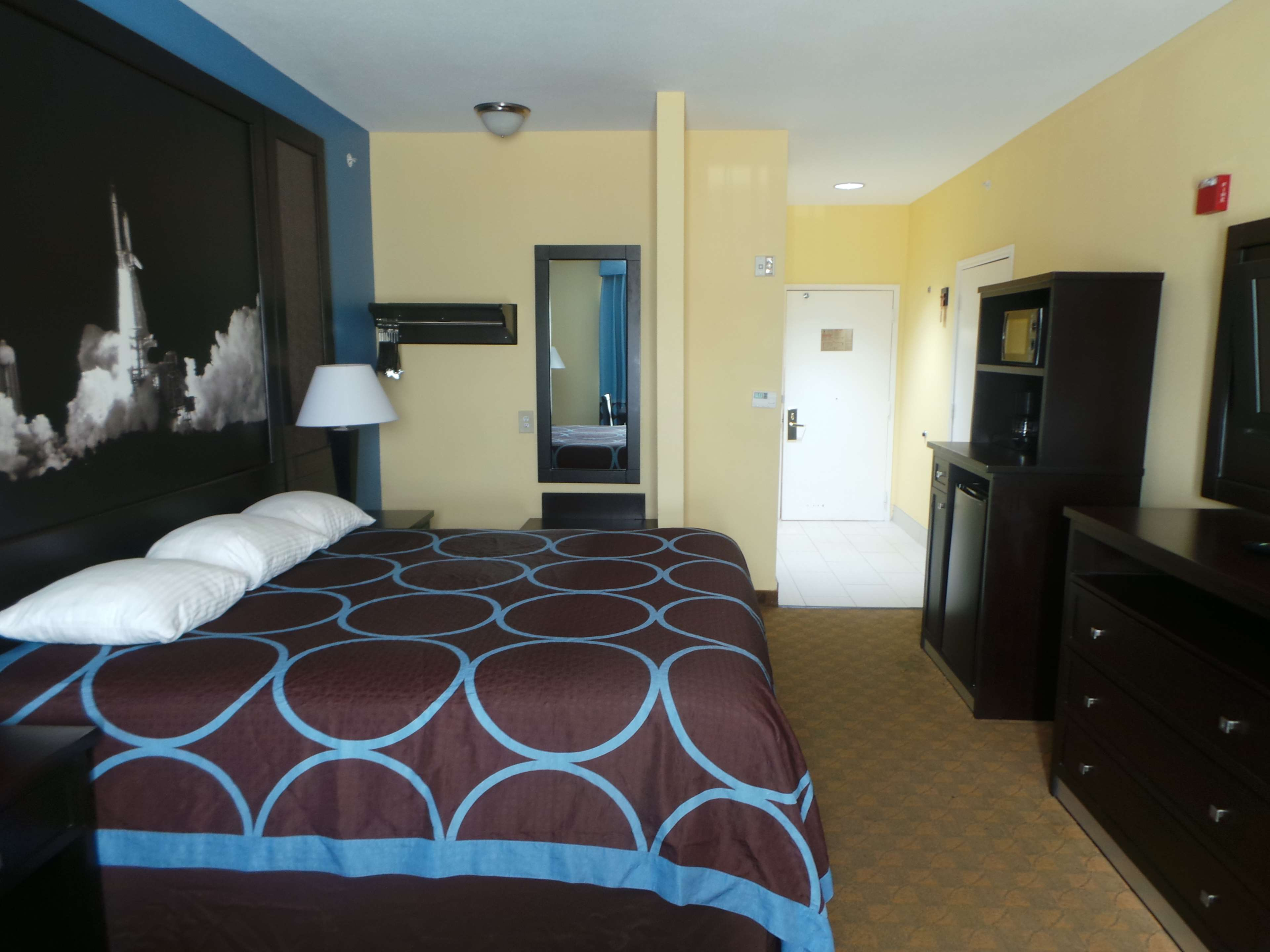 SureStay Plus Hotel by Best Western Alvin image 9