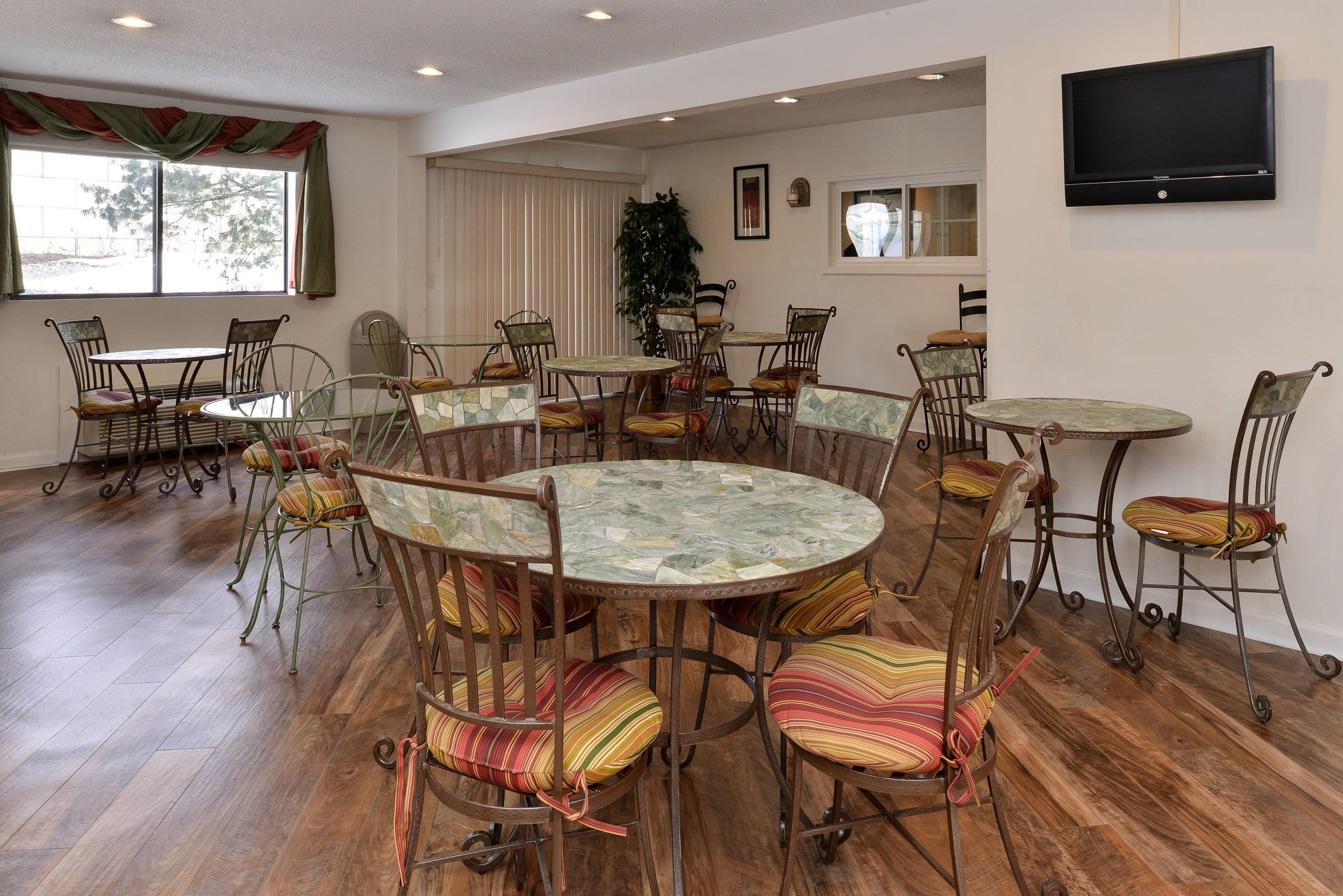 Americas Best Value Inn - New Paltz image 26