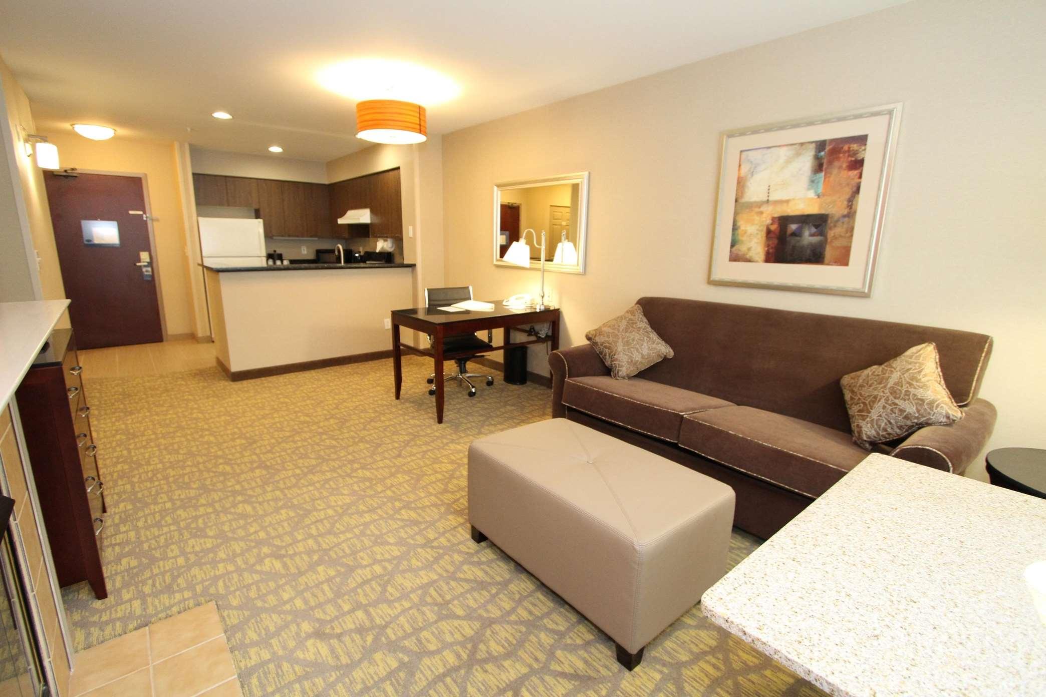 Hampton Inn & Suites Seattle-Airport/28th Ave image 9