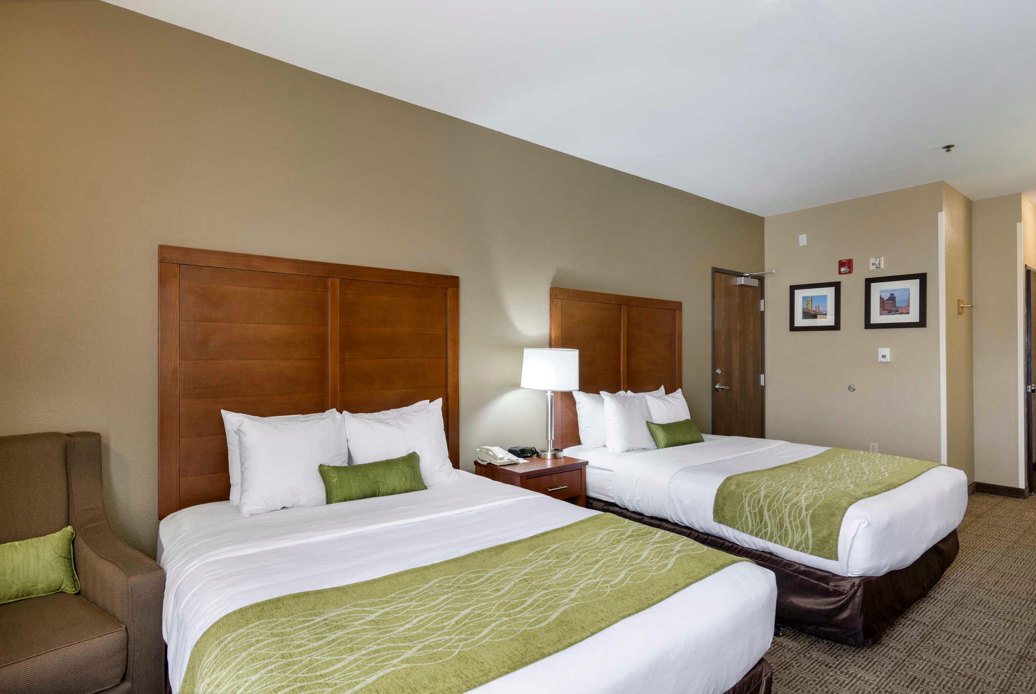Comfort Inn & Suites Sacramento - University Area image 17