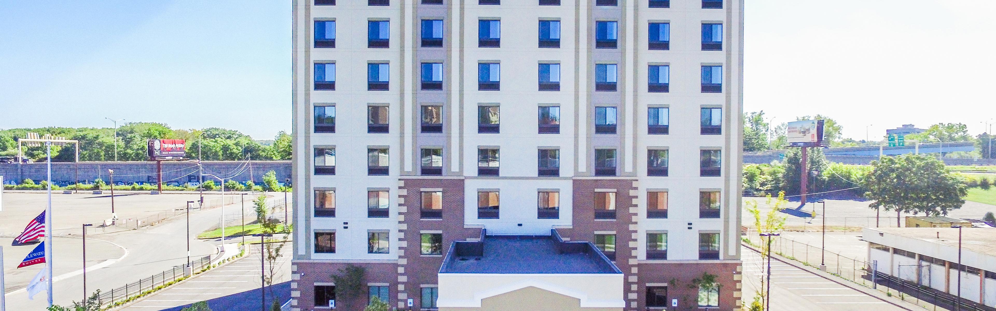 Candlewood Suites Hartford Downtown image 0