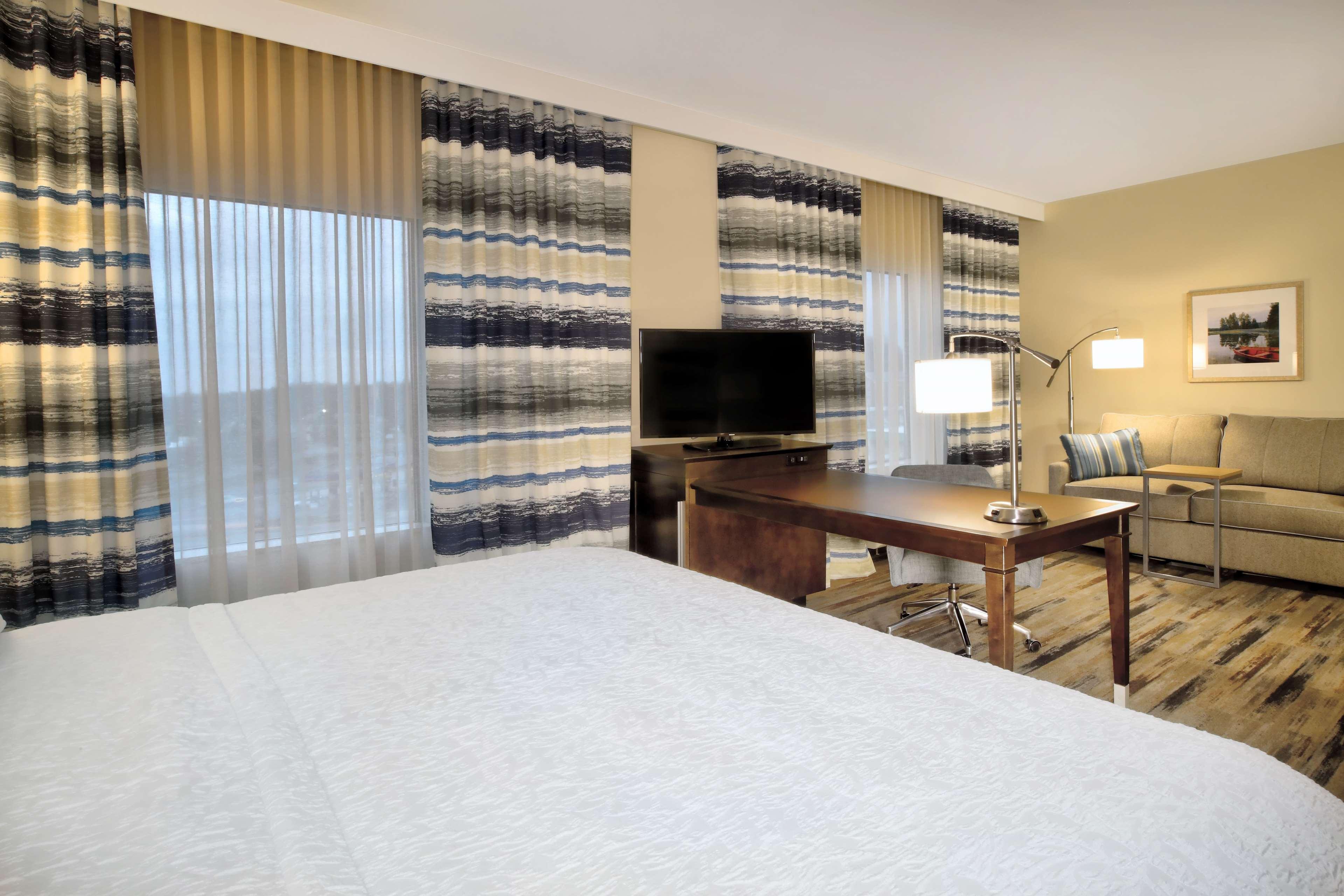 Hampton Inn & Suites Baltimore/Aberdeen image 20