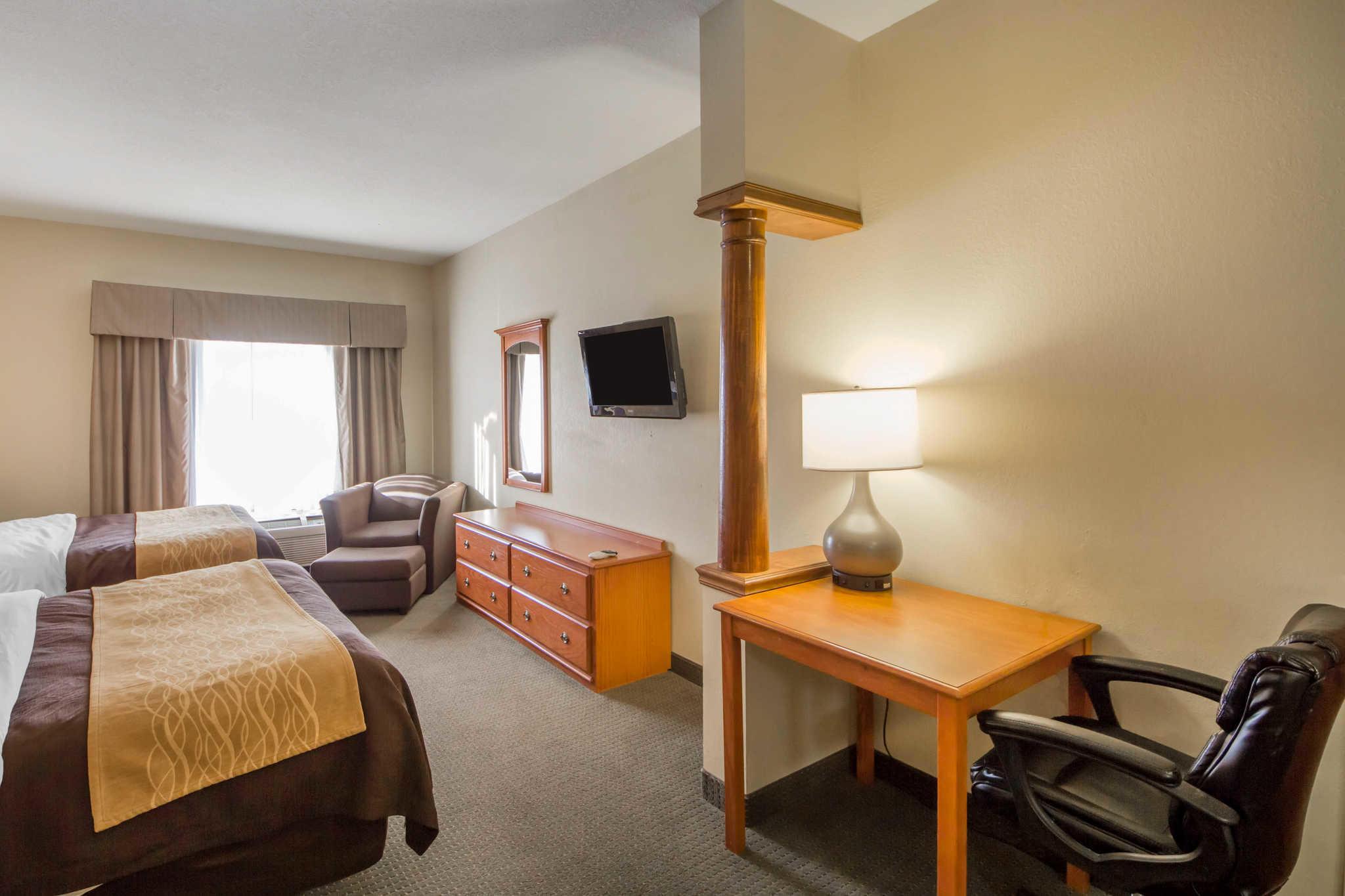Quality Inn & Suites image 14