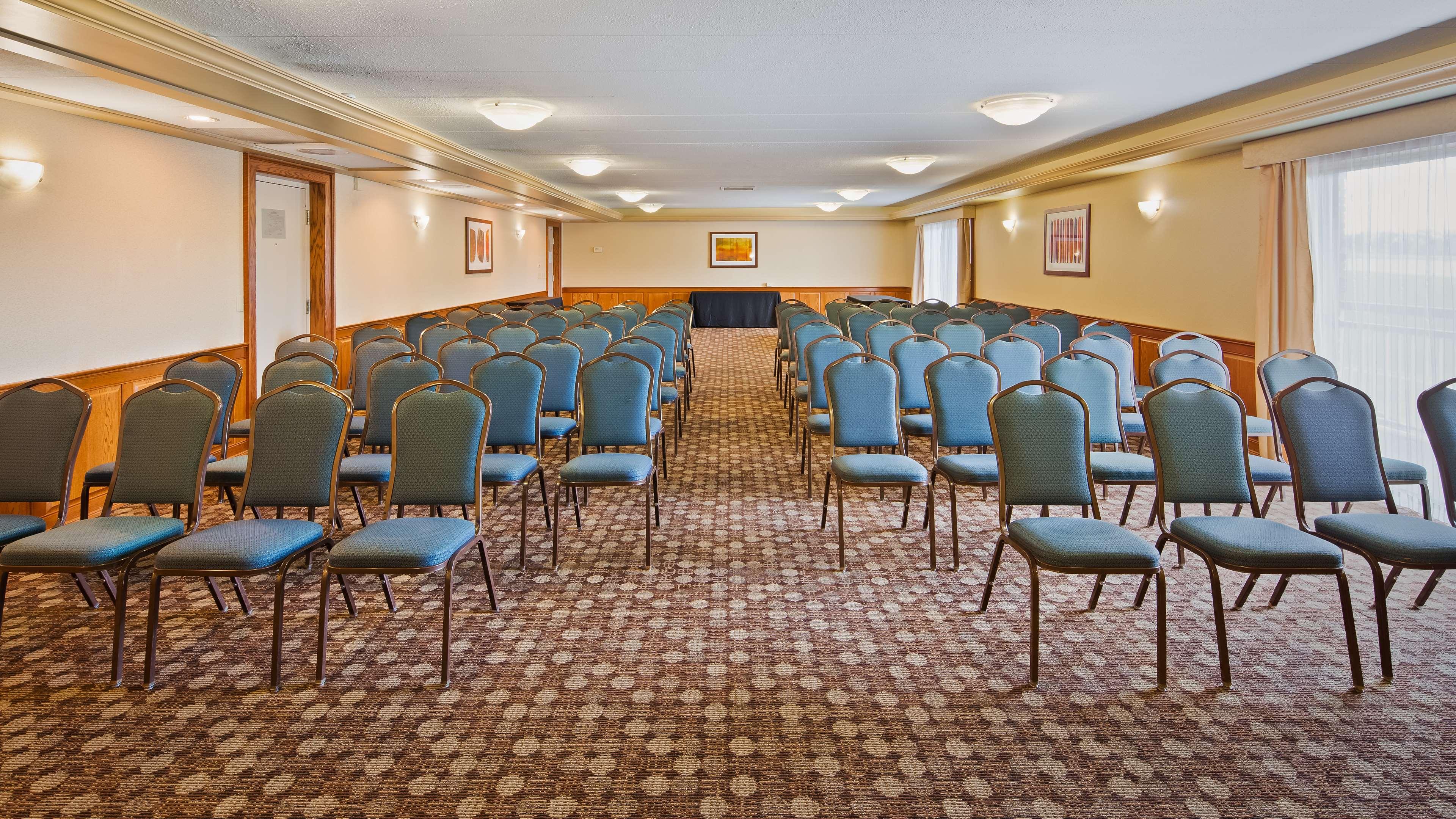 Best Western Valley Plaza Inn image 32