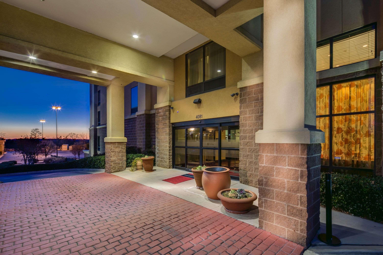 Hampton Inn & Suites Augusta West image 2