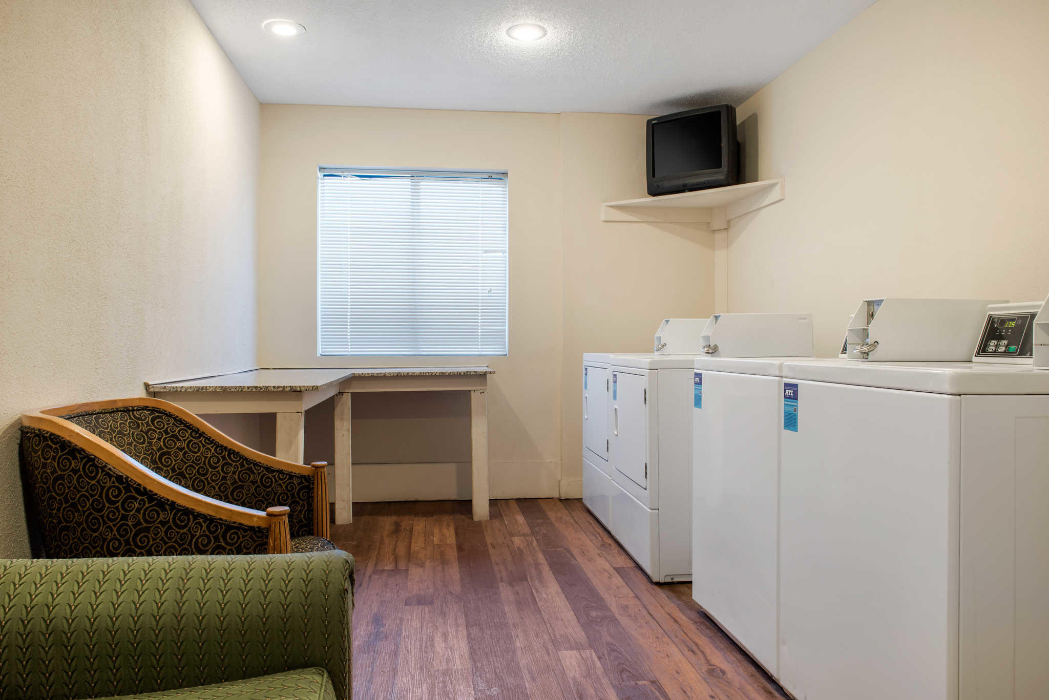 Quality Inn Airport image 35